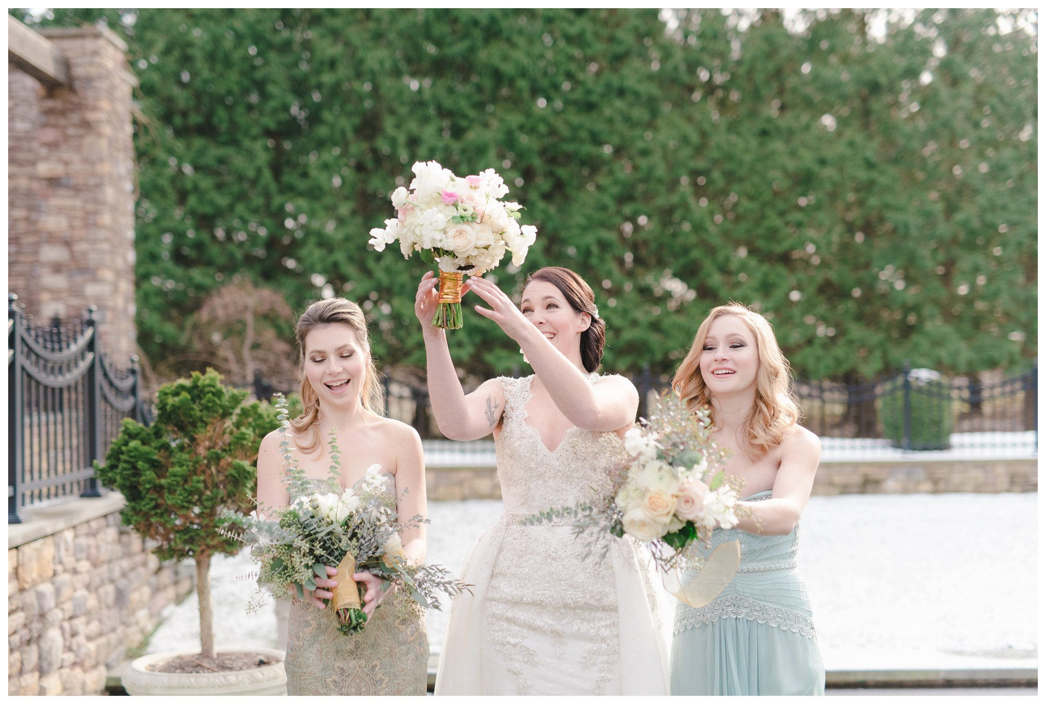 Bridesmaids and bouquets at ashford estate, allentown new jersey