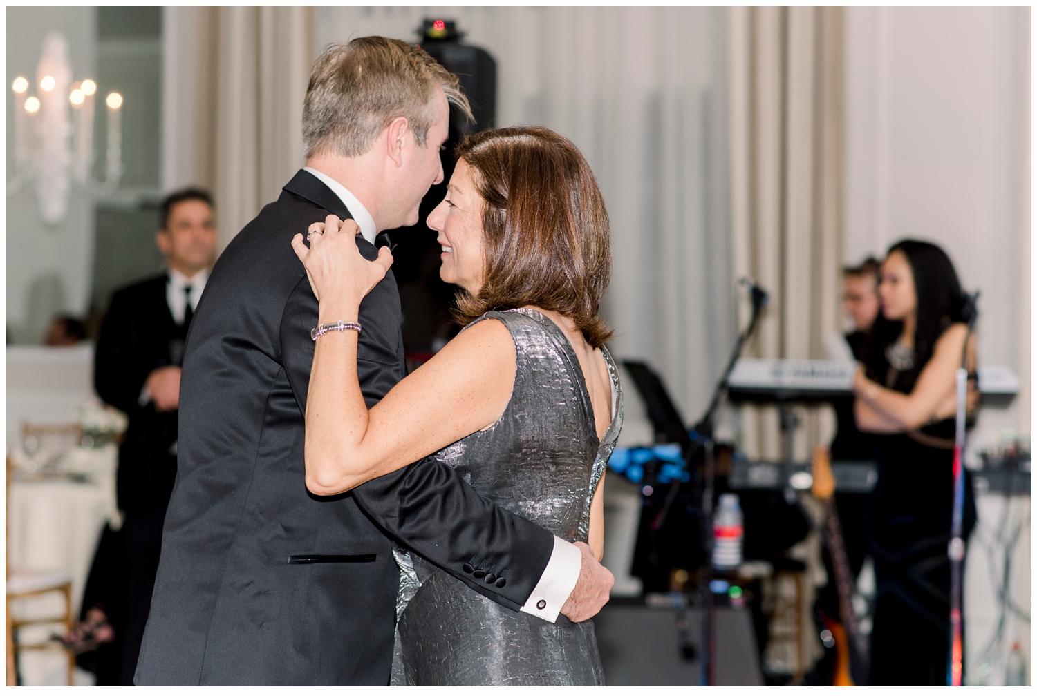 groom dancing with mom at spring lake bath and tennis club spring lake nj
