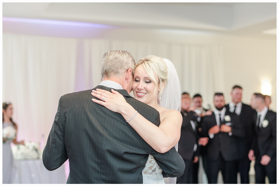 bride and dad first dance