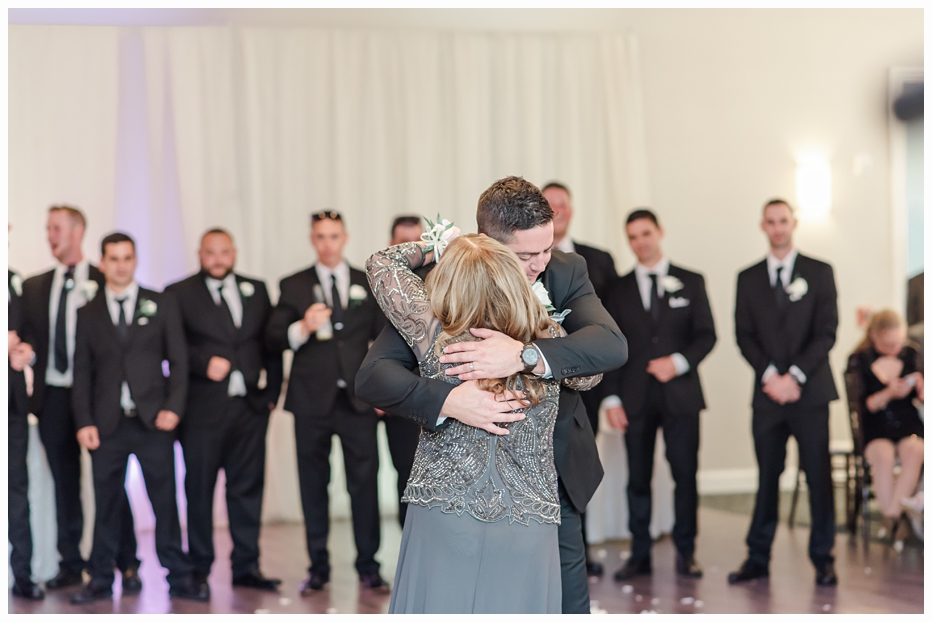groom and mom first dance at the wedding