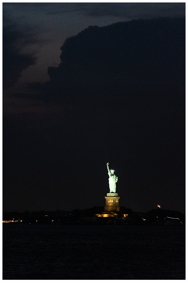 picture of statue of liberty at night