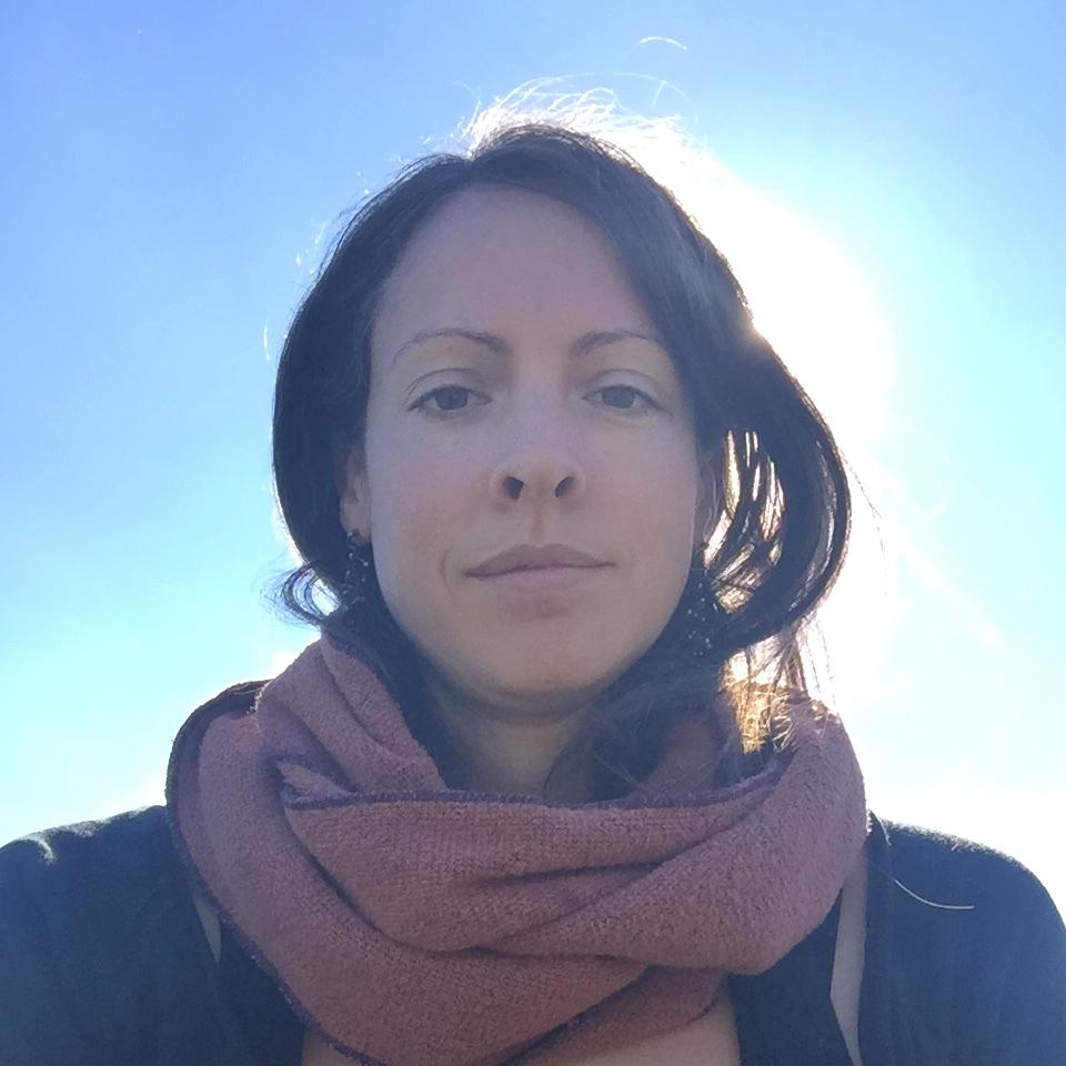 Liz Neves / Meditation, Herbalism, Reiki