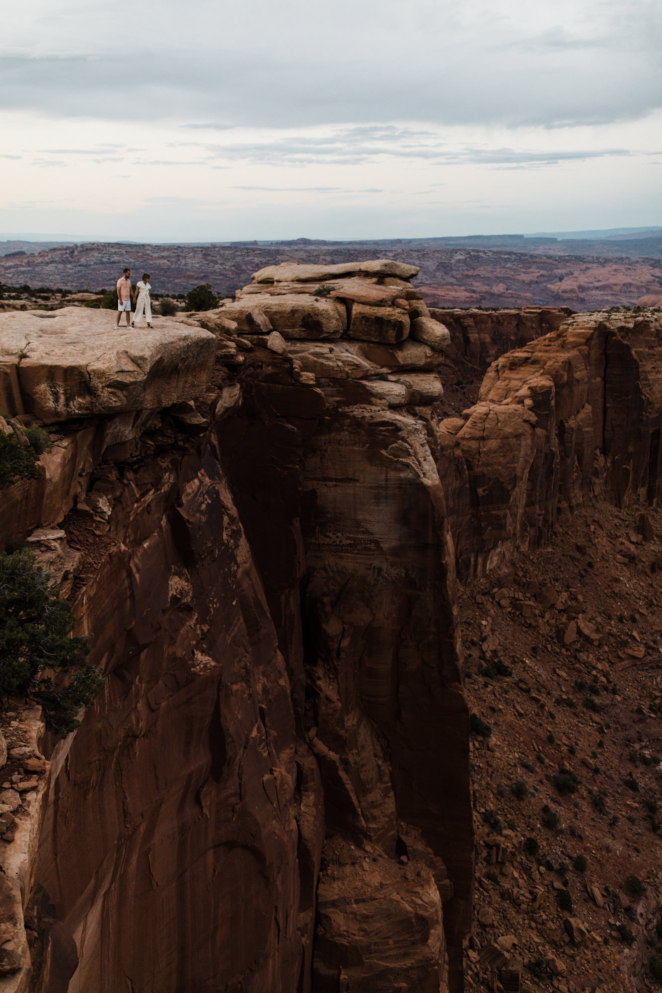 moab, utah adventurous elopement | utah intimate wedding photographer | jumpsuit bride | desert wedding inspiration | the hearnes adventure photography