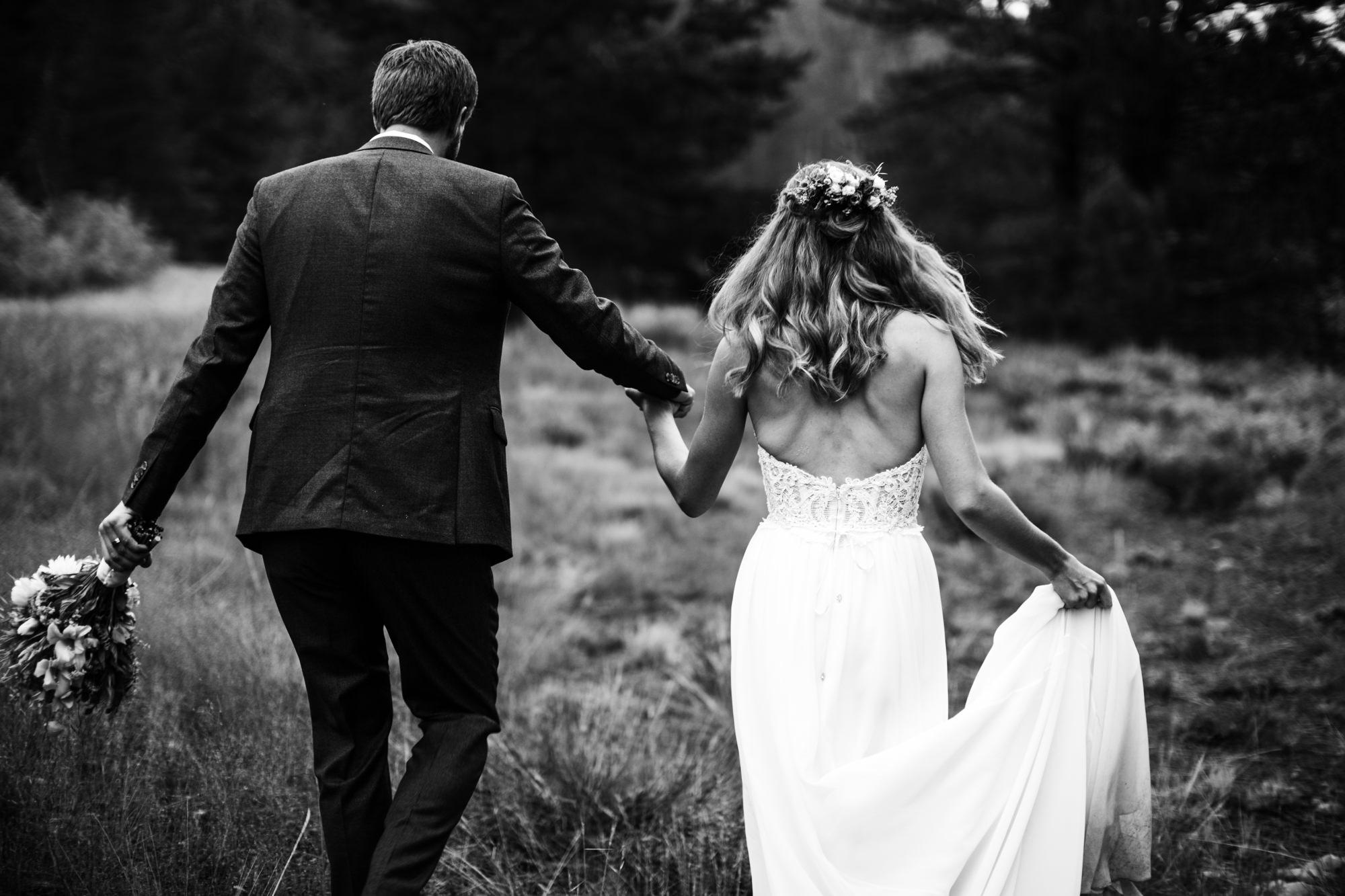 megan + zach's adventurous woodland wedding in truckee, california | romantic rainy wedding day inspiration |lake tahoe wedding photographer | www.thehearnes.com