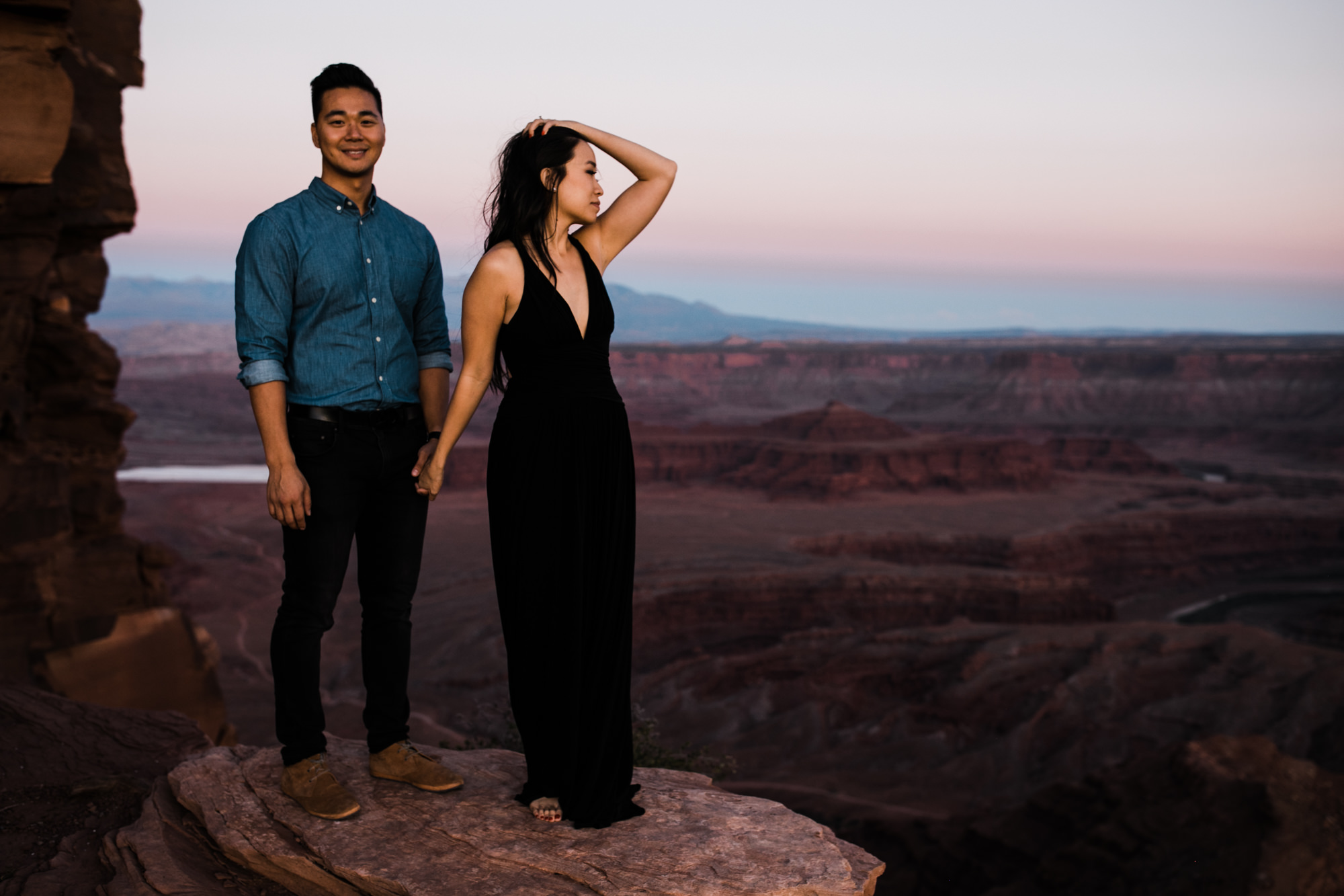 TAMI + ETHAN'S ADVENTUROUS DESERT ENGAGEMENT SESSION | DEAD HORSE POINT STATE PARK | UTAH ELOPEMENT PHOTOGRAPHER | the hearnes adventure photography | www.thehearnes.com