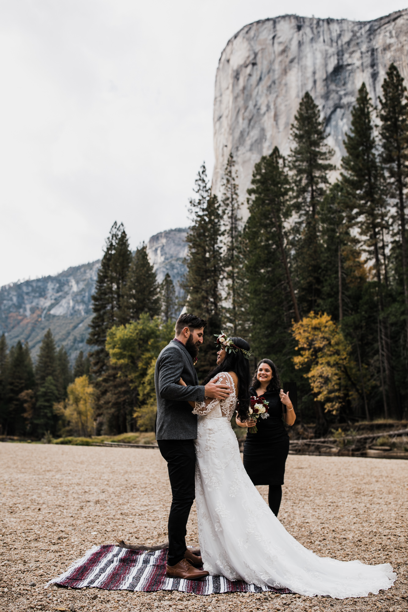 chris + jen's intimate yosemite wedding | yosemite adventure wedding photographer | the hearnes adventure photography | www.thehearnes.com