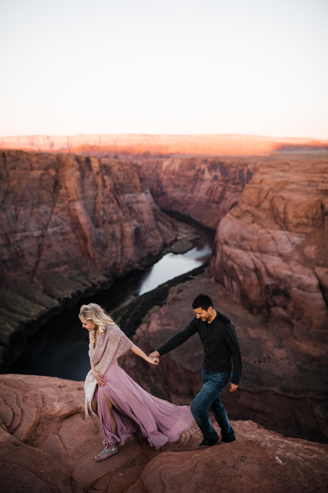 horseshoe bend adventure elopement session | destination engagement photo inspiration | utah adventure elopement photographers | the hearnes adventure photography | www.thehearnes.com