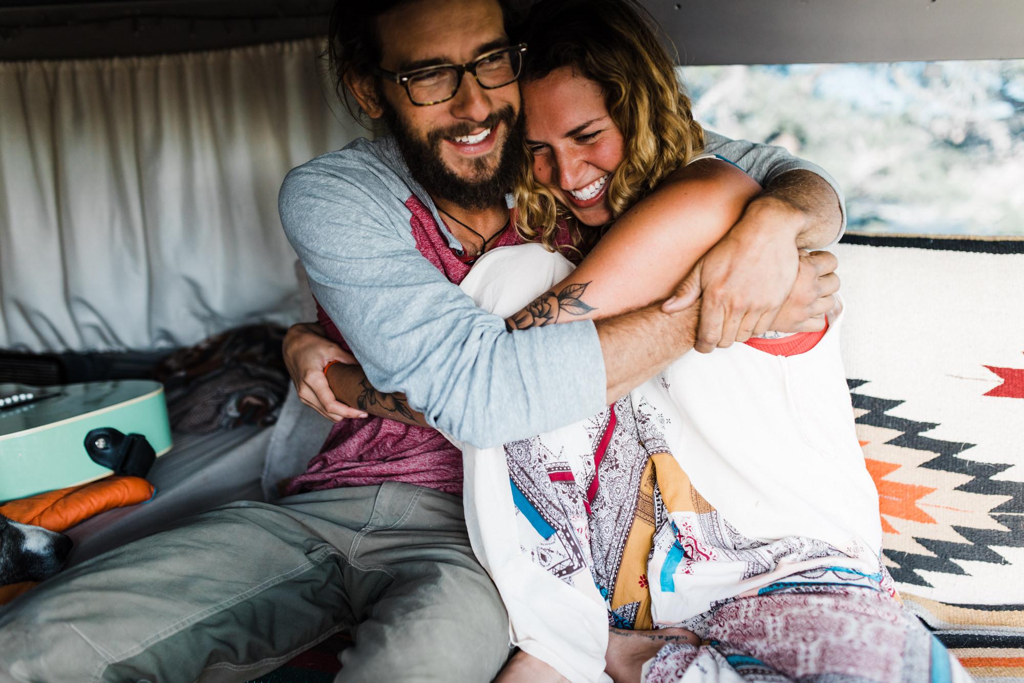 van life session in the utah desert | destination engagement photo inspiration | utah adventure elopement photographers | the hearnes adventure photography | www.thehearnes.com