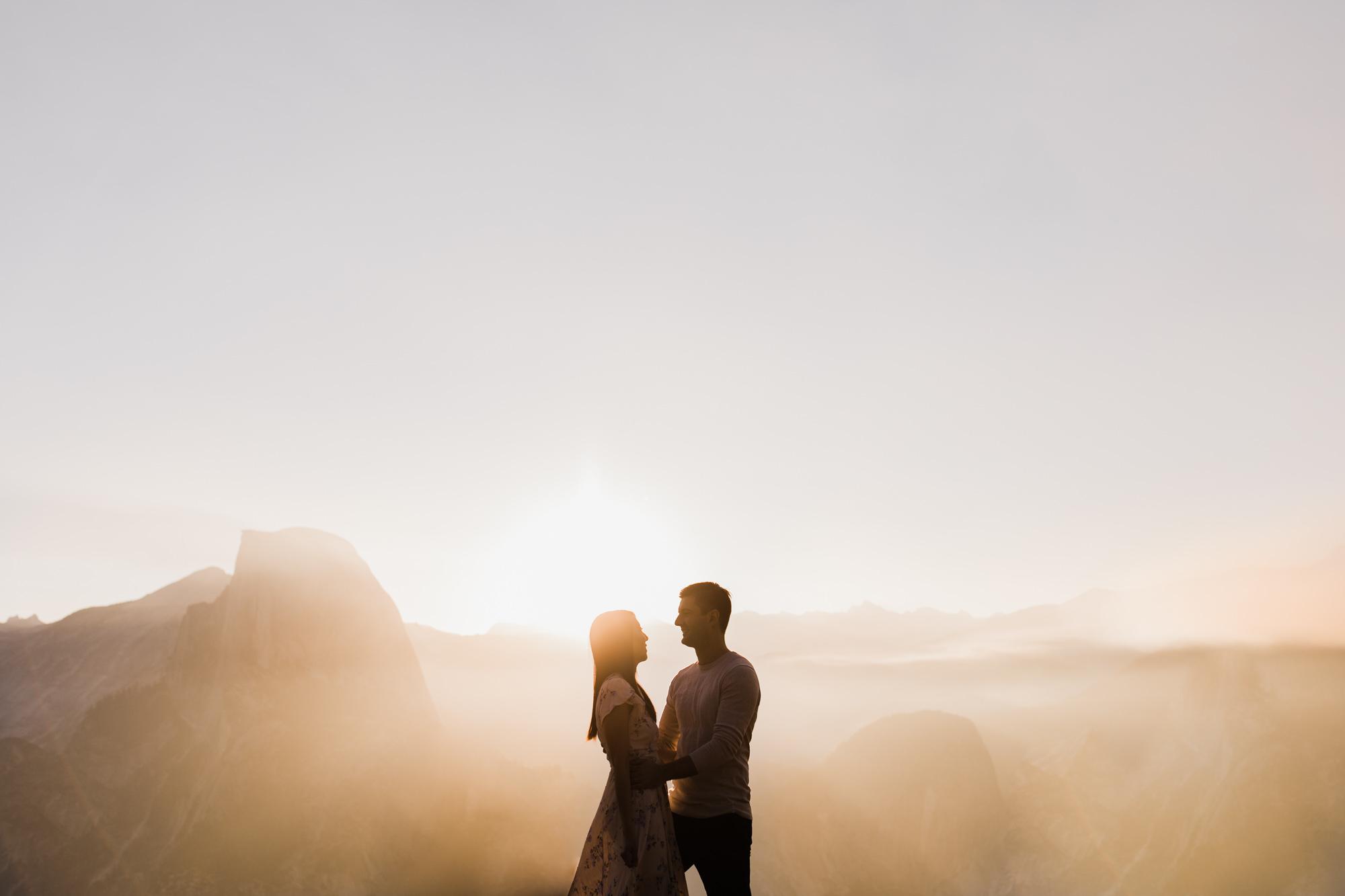 yosemite national park engagement session | destination engagement photo inspiration | utah adventure elopement photographers | the hearnes adventure photography | www.thehearnes.com