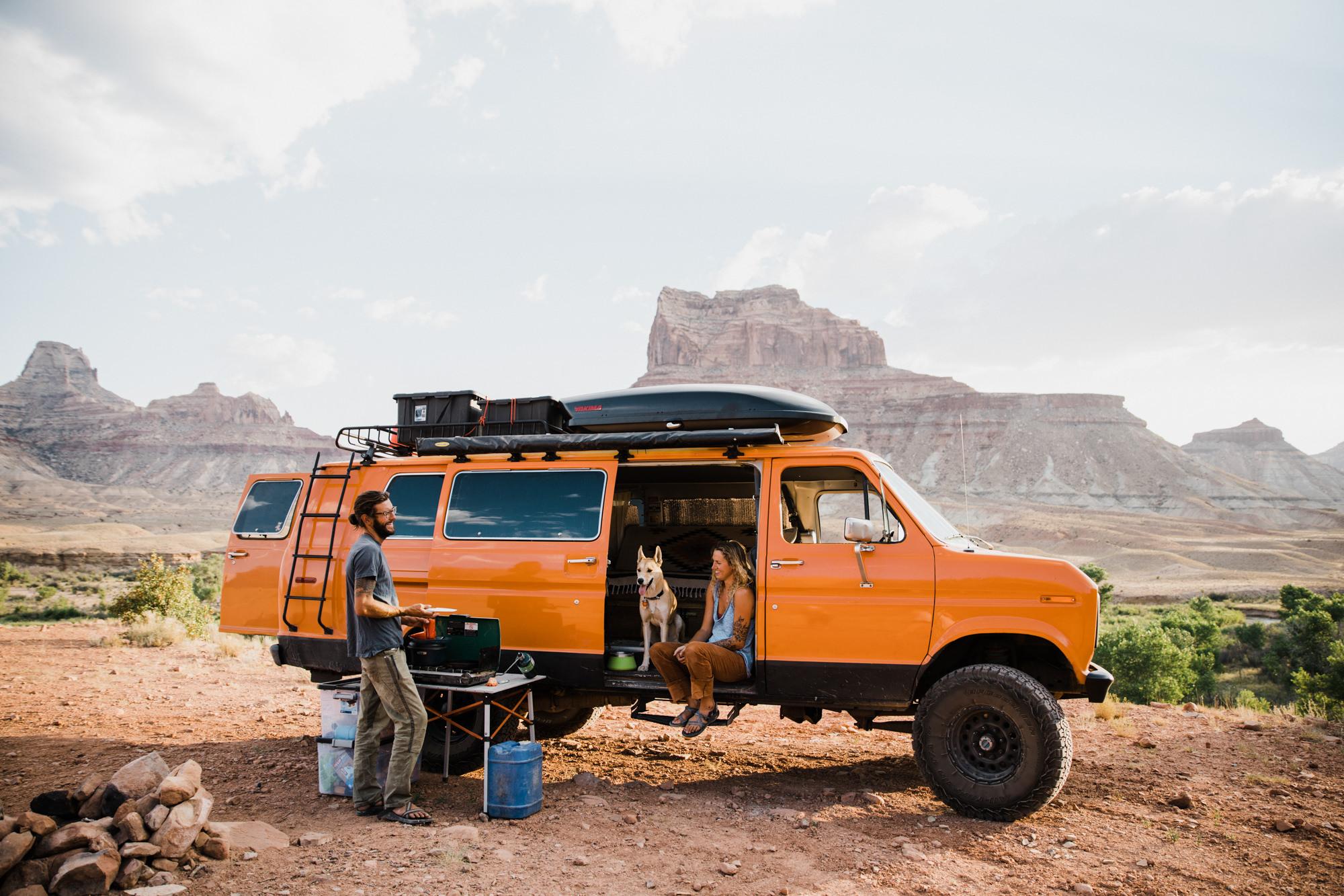 adventurous van life session in the utah desert | destination engagement photo inspiration | utah adventure elopement photographers | the hearnes adventure photography | www.thehearnes.com