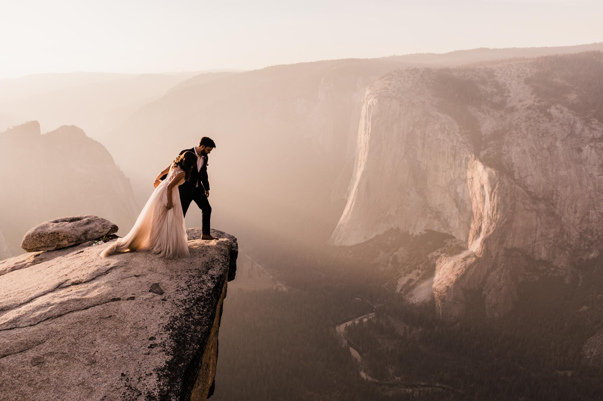 yosemite national park intimate elopement | destination adventure wedding photographers | the hearnes adventure photography | www.thehearnes.com
