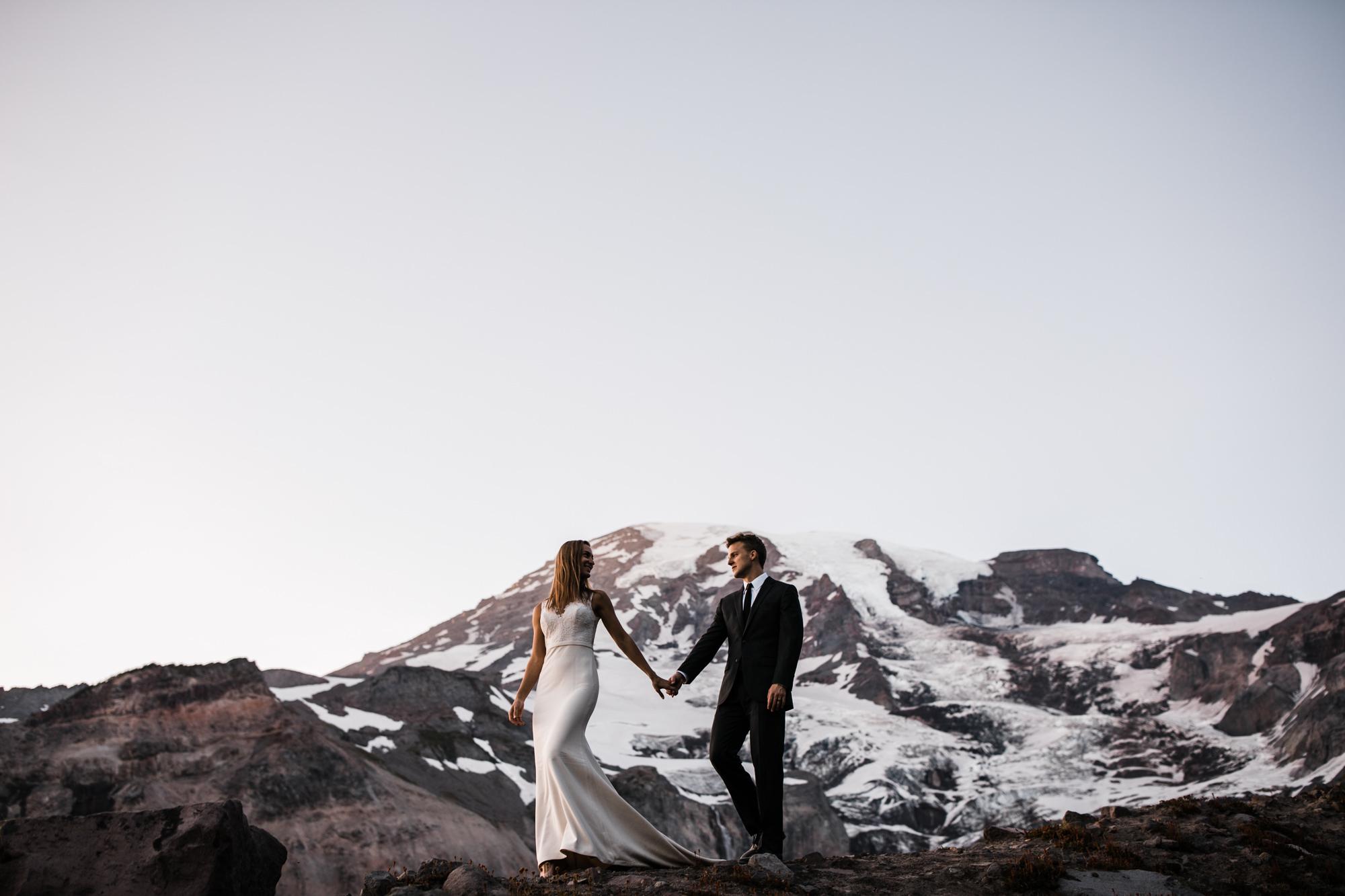 mount rainier intimate wedding adventure | destination adventure wedding photographers | the hearnes adventure photography | www.thehearnes.com
