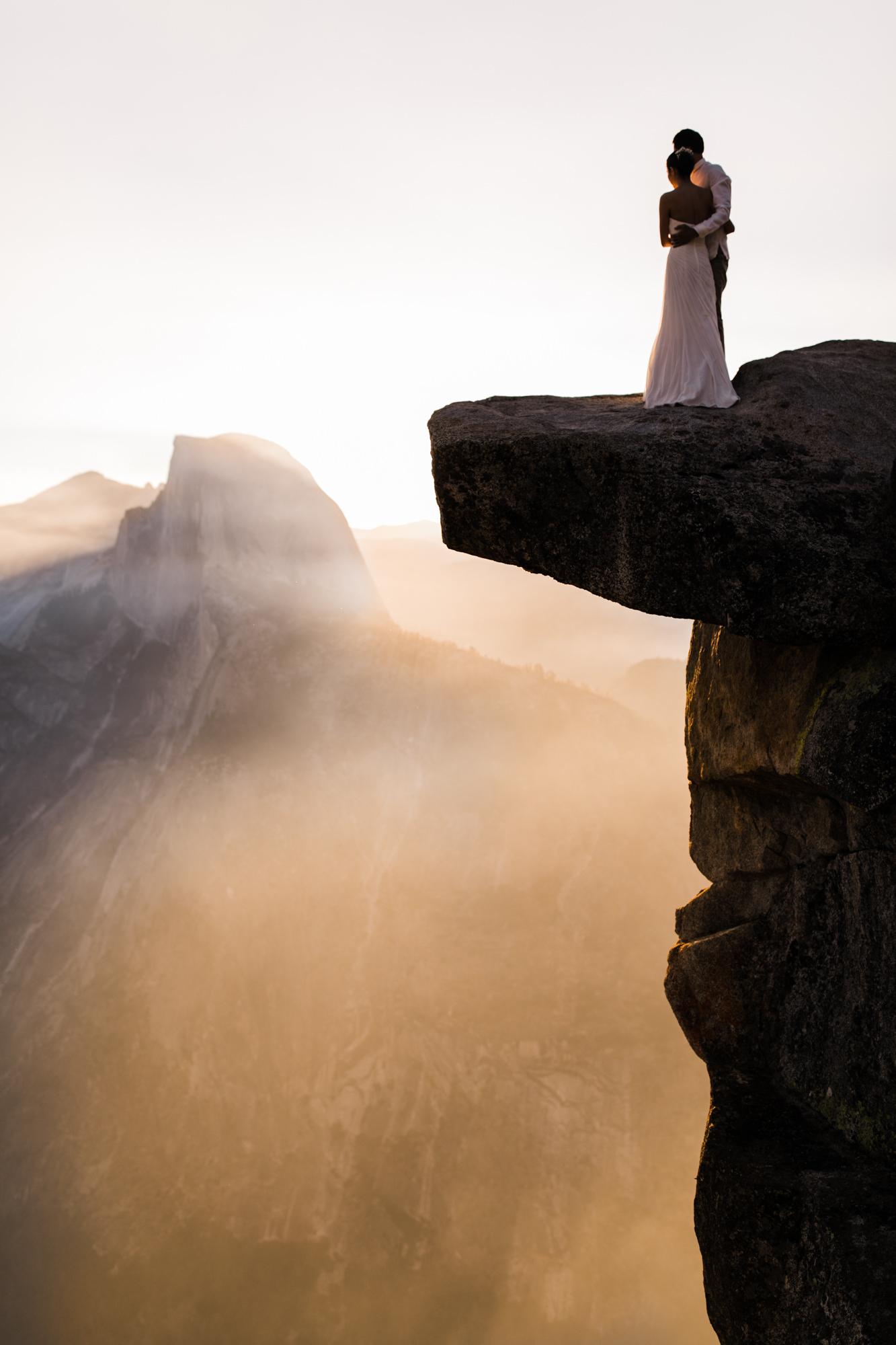 sunrise elopement at glacier point in yosemite national park | destination adventure wedding photographers | the hearnes adventure photography | www.thehearnes.com