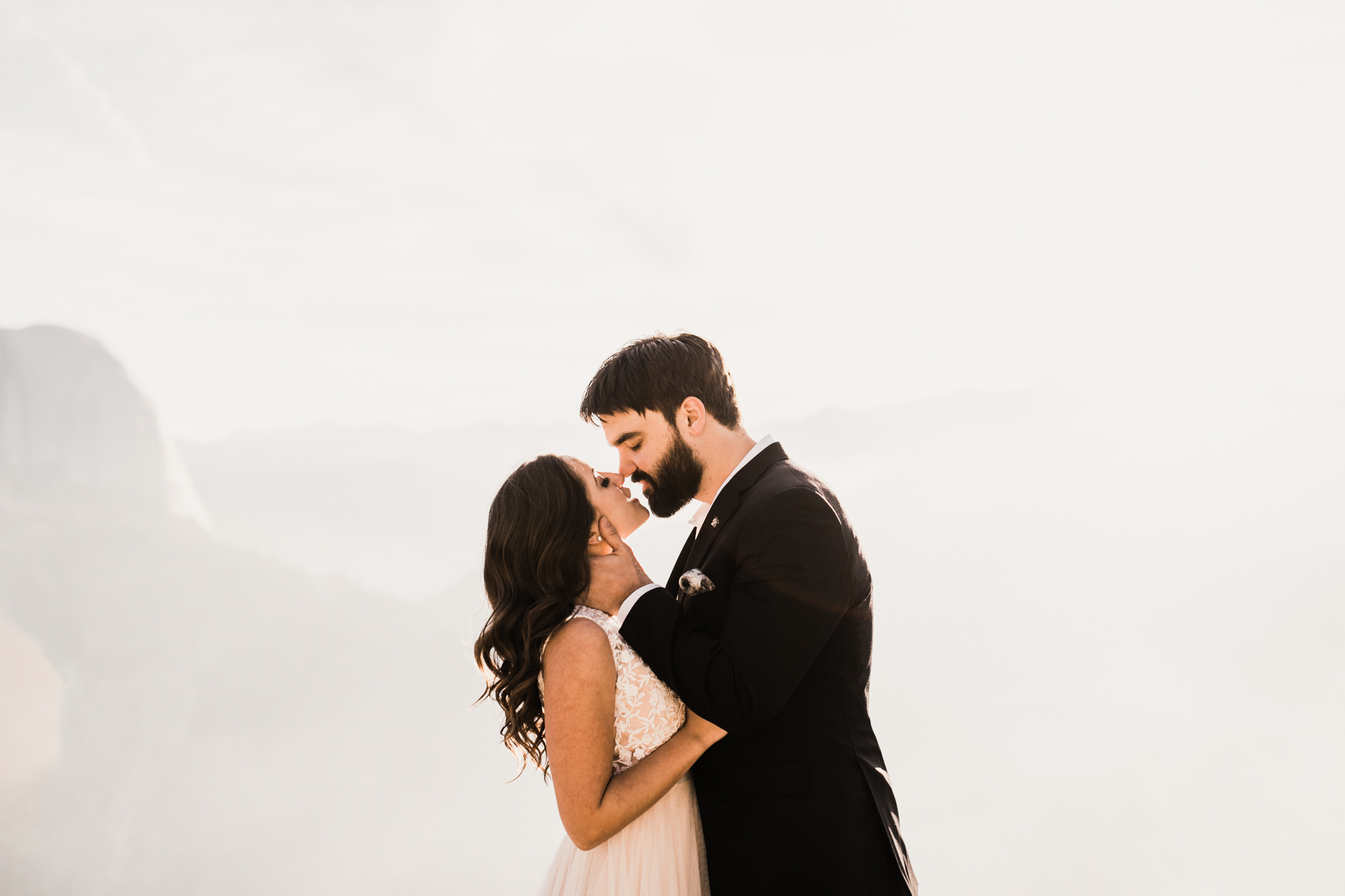 intimate elopement in yosemite national park | destination adventure wedding photographers | the hearnes adventure photography | www.thehearnes.com