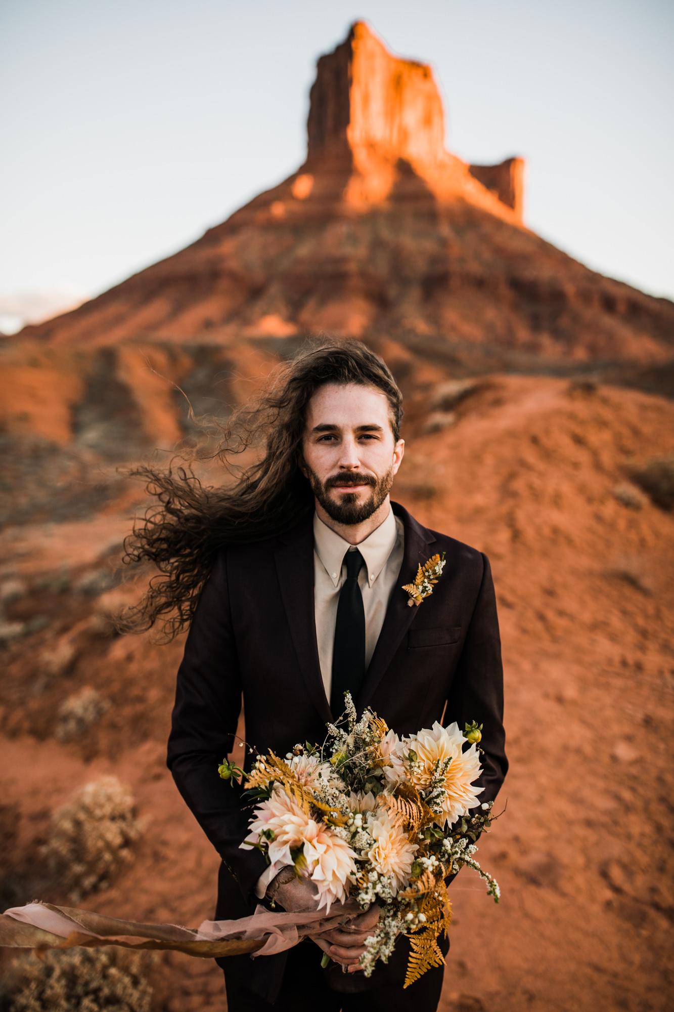 elopement groom style in moab, utah | destination adventure wedding photographers | the hearnes adventure photography | www.thehearnes.com