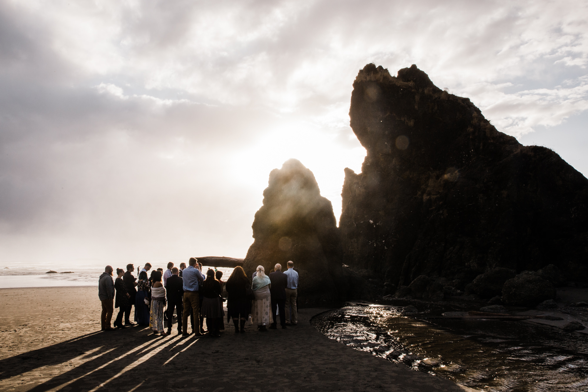 ruby beach intimate wedding in olympic national park | destination adventure wedding photographers | the hearnes adventure photography | www.thehearnes.com