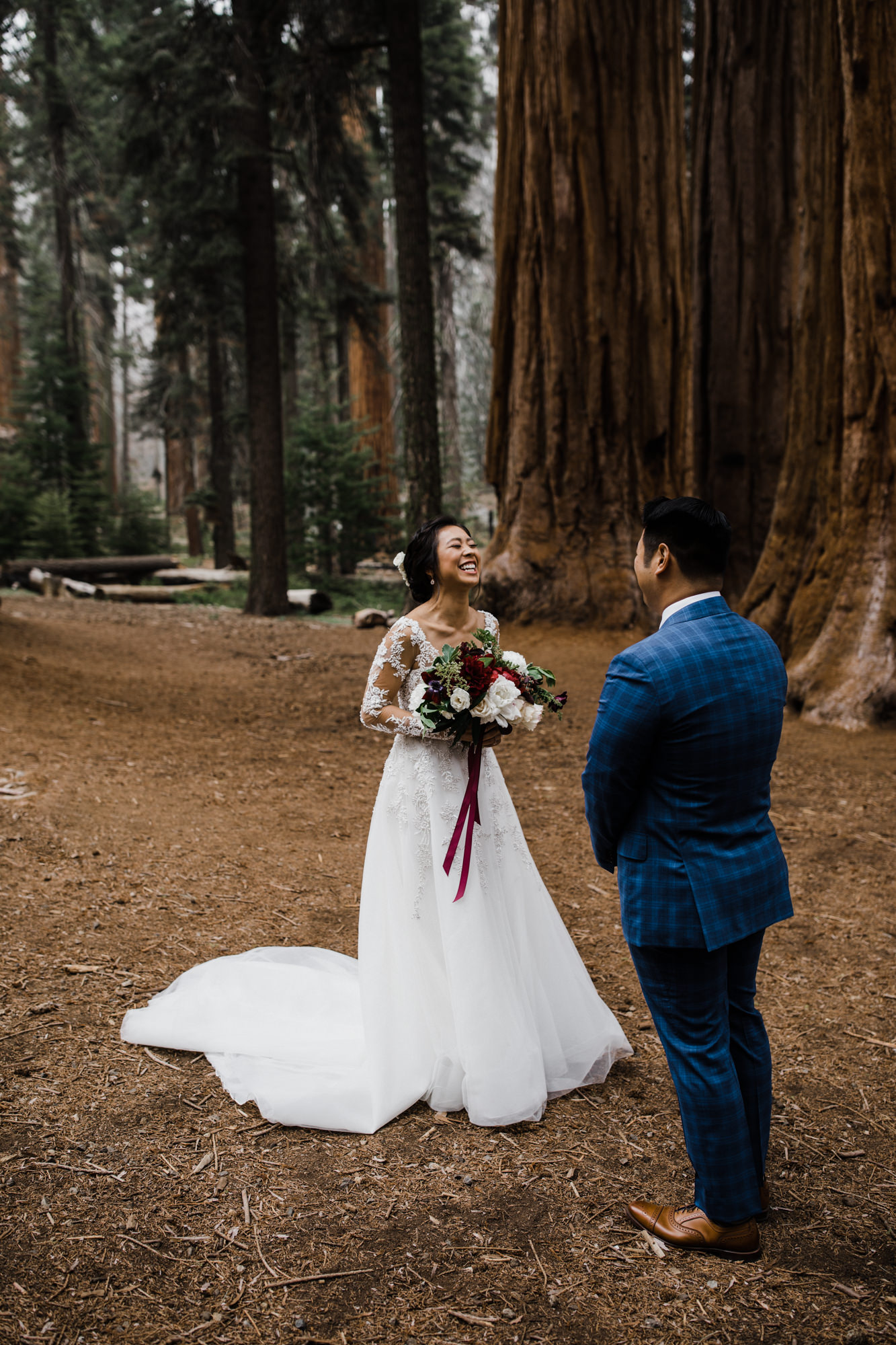 first look in sequoia national park | destination adventure wedding photographers | the hearnes adventure photography | www.thehearnes.com