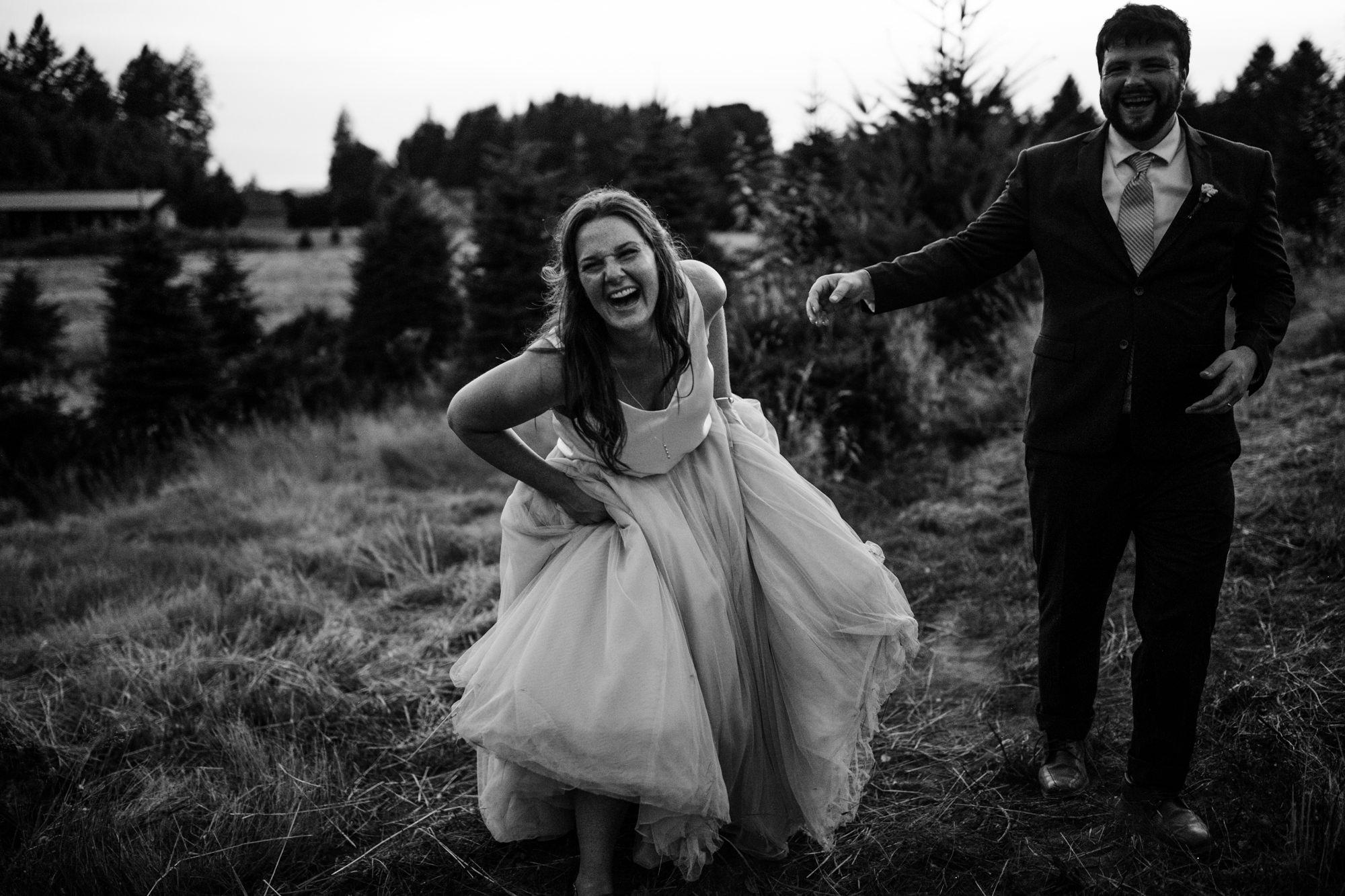 washington riverside wedding | destination adventure wedding photographers | the hearnes adventure photography | www.thehearnes.com