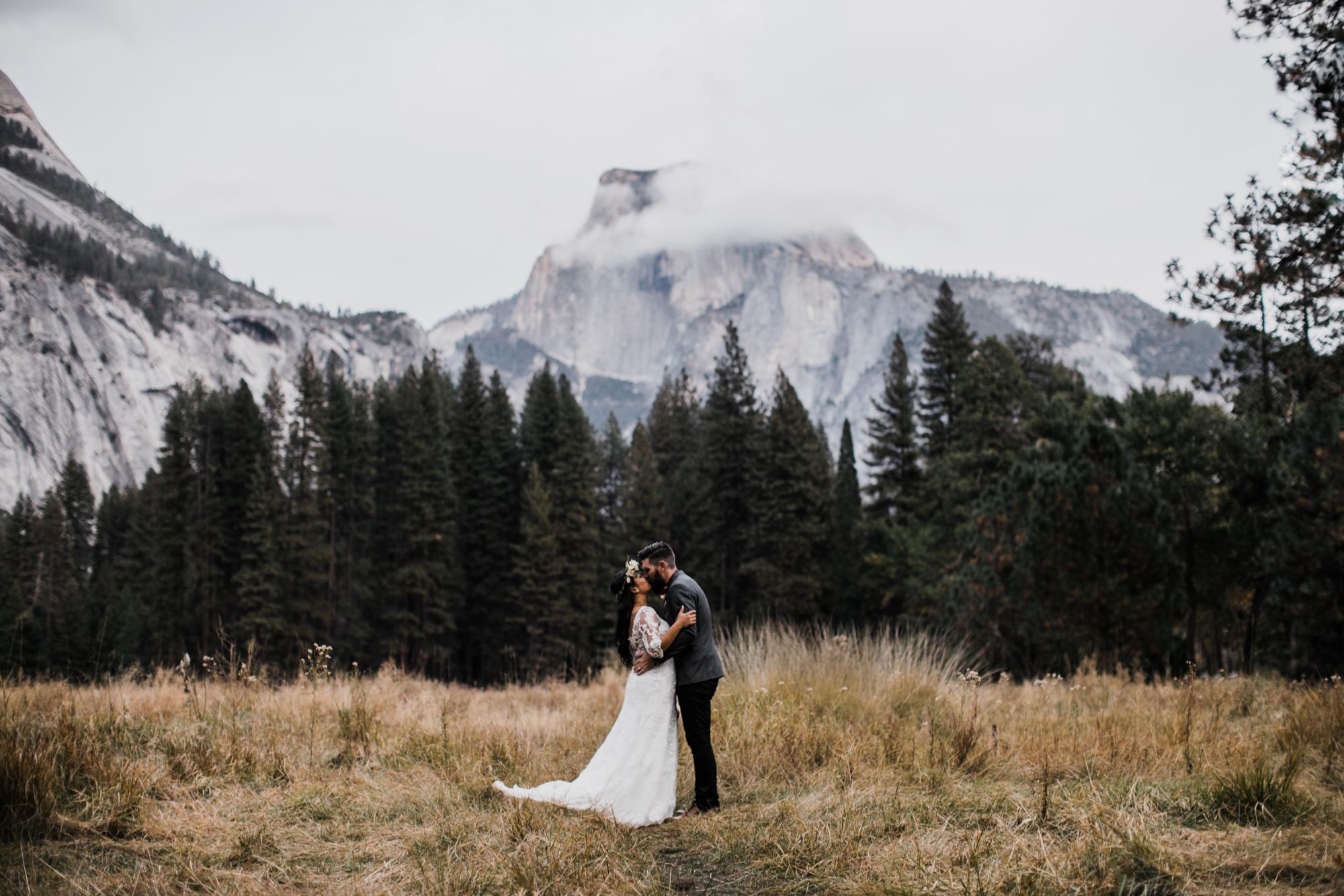 fall wedding in yosemite national park | destination adventure wedding photographers | the hearnes adventure photography | www.thehearnes.com