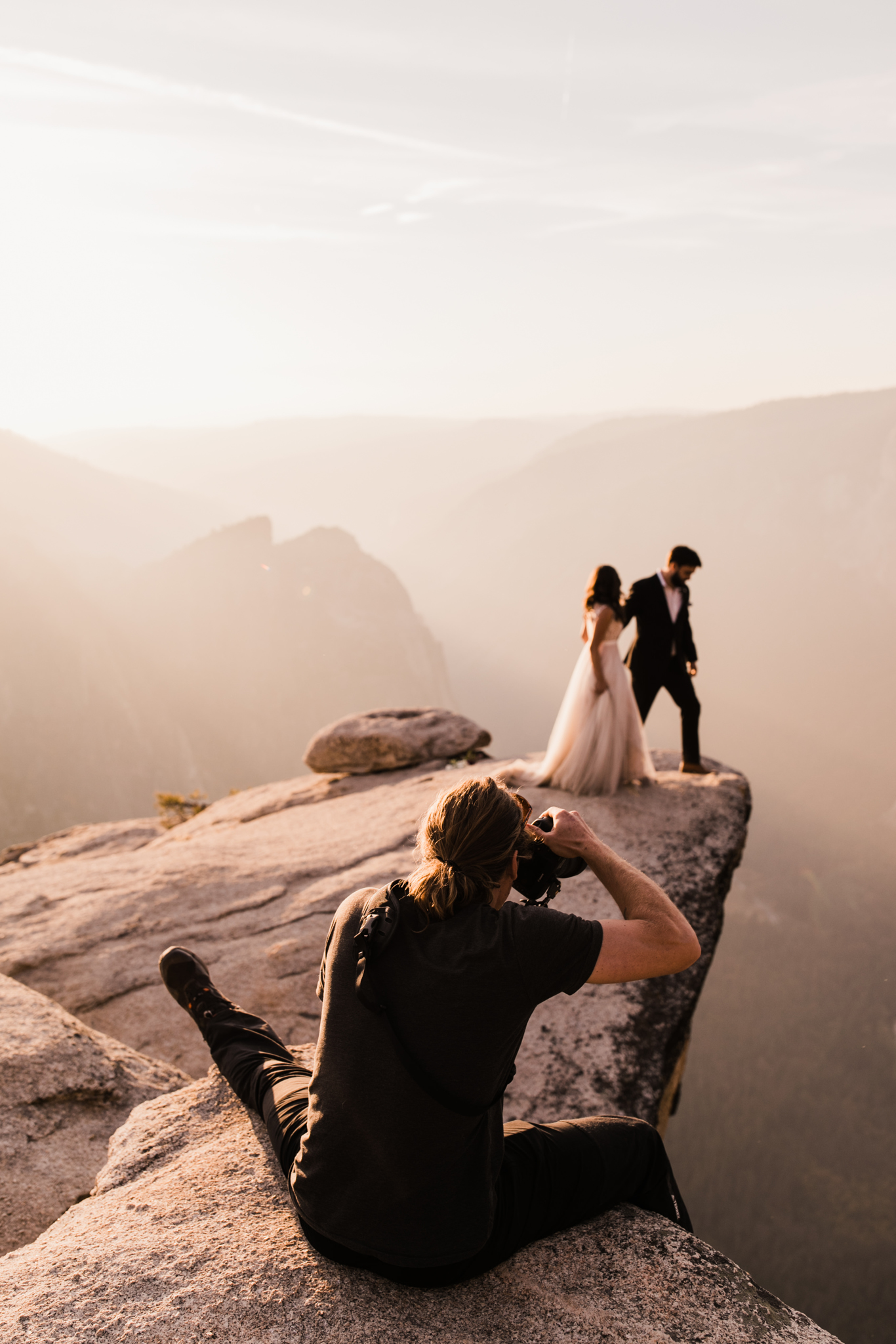 photographing an elopement in yosemite national park | utah and california adventure elopement photographers | the hearnes adventure photography | www.thehearnes.com
