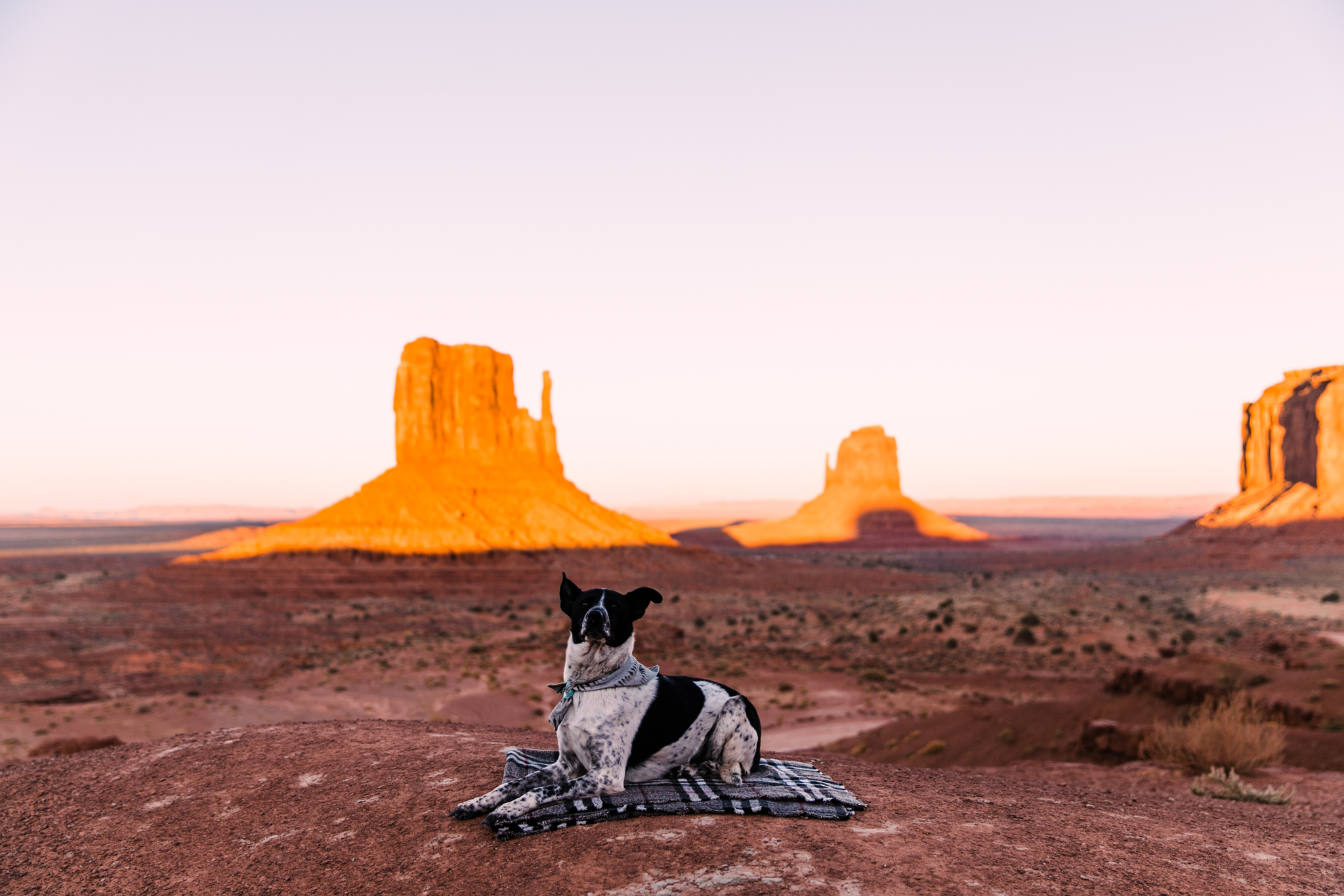 camping in monument valley | utah and california adventure elopement photographers | the hearnes adventure photography | www.thehearnes.com
