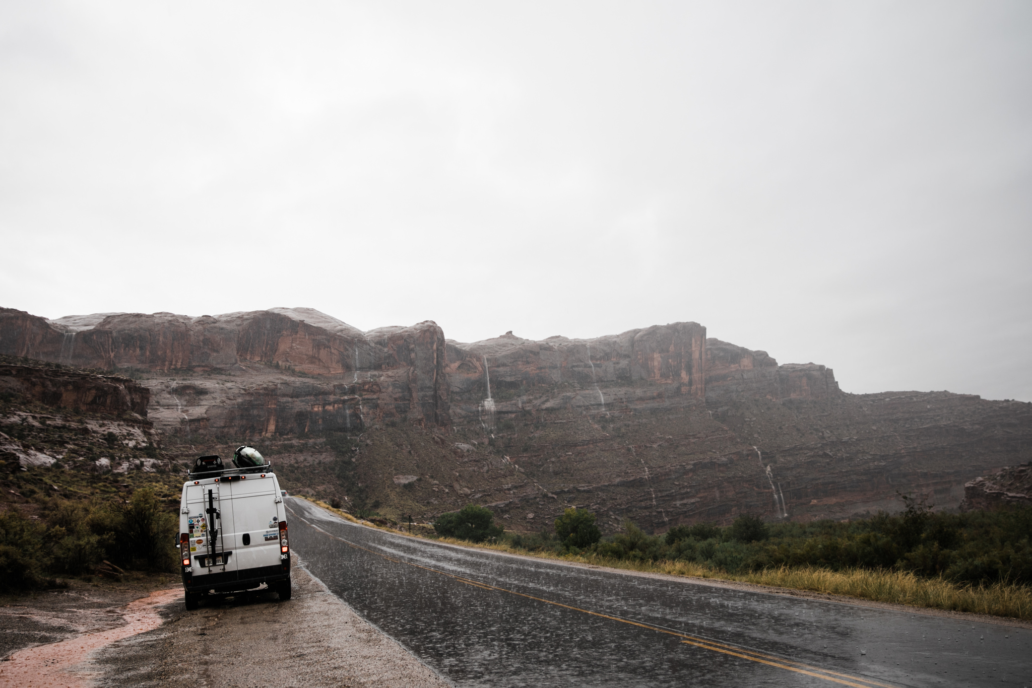 van life in moab utah | utah and california adventure elopement photographers | the hearnes adventure photography | www.thehearnes.com