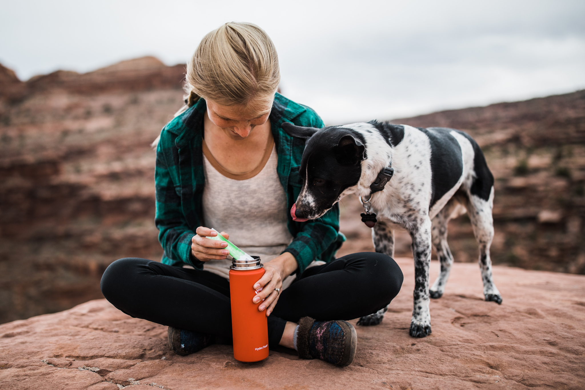 coffee and camping in moab utah | utah and california adventure elopement photographers | the hearnes adventure photography | www.thehearnes.com