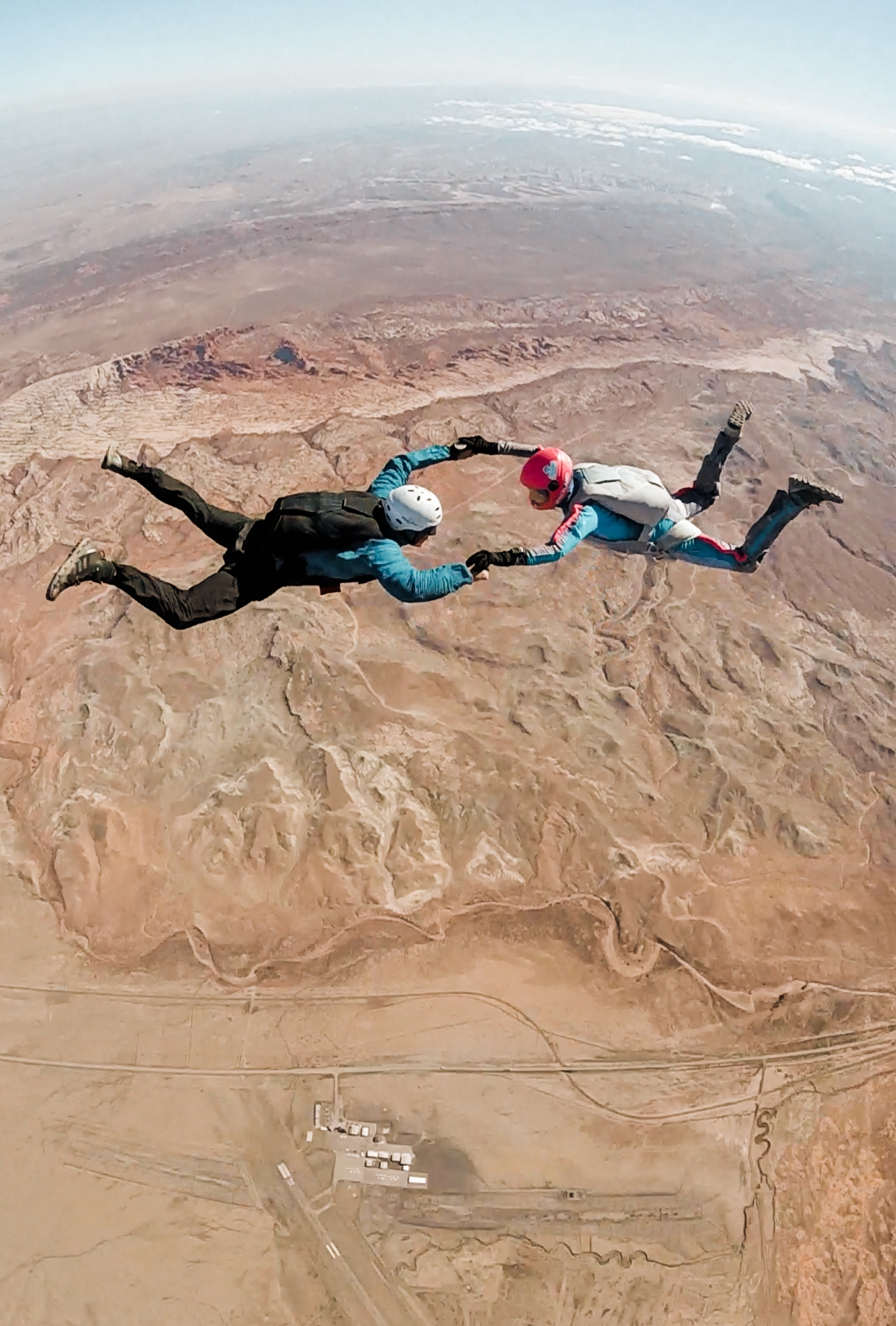 skydiving in moab, utah | utah and california adventure elopement photographers | the hearnes adventure photography | www.thehearnes.com