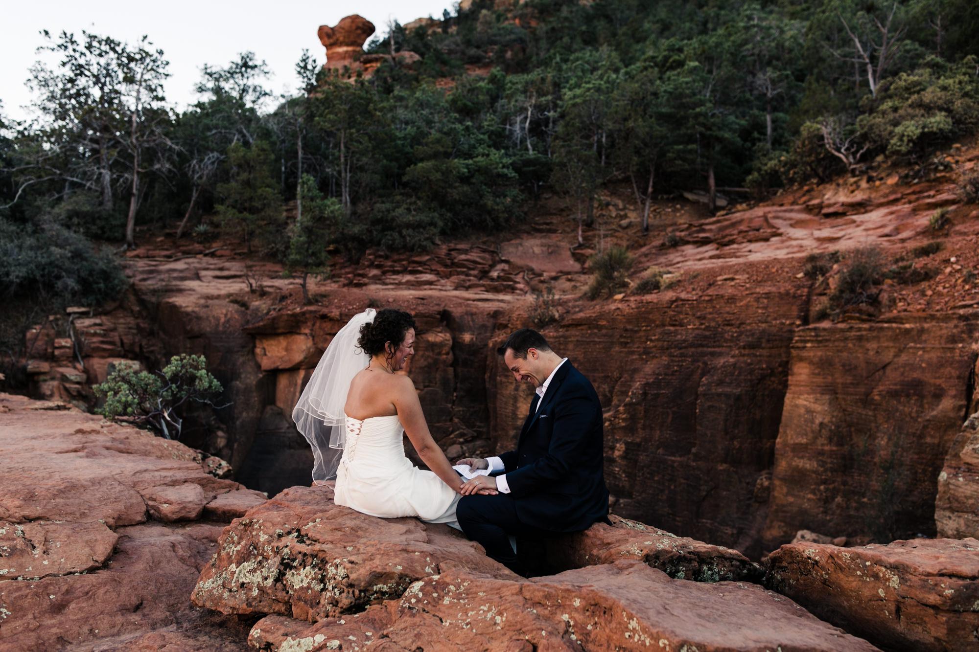 adventure elopement in sedona, arizona   travel destination wedding photographers   the hearnes adventure photography   www.thehearnes.com