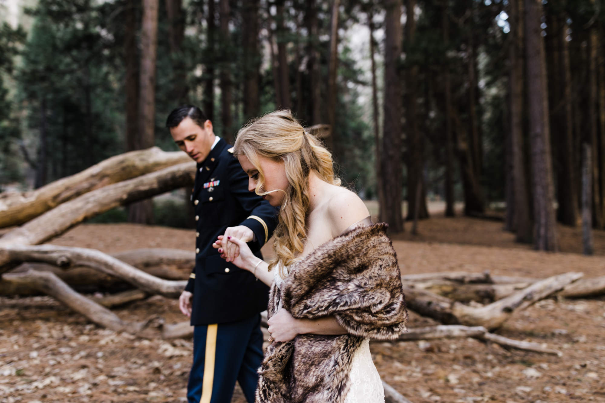 lindsey + stuart's intimate family-centered wedding in yosemite | national park elopement |destination elopement photographers | the hearnes adventure photography | www.thehearnes.com