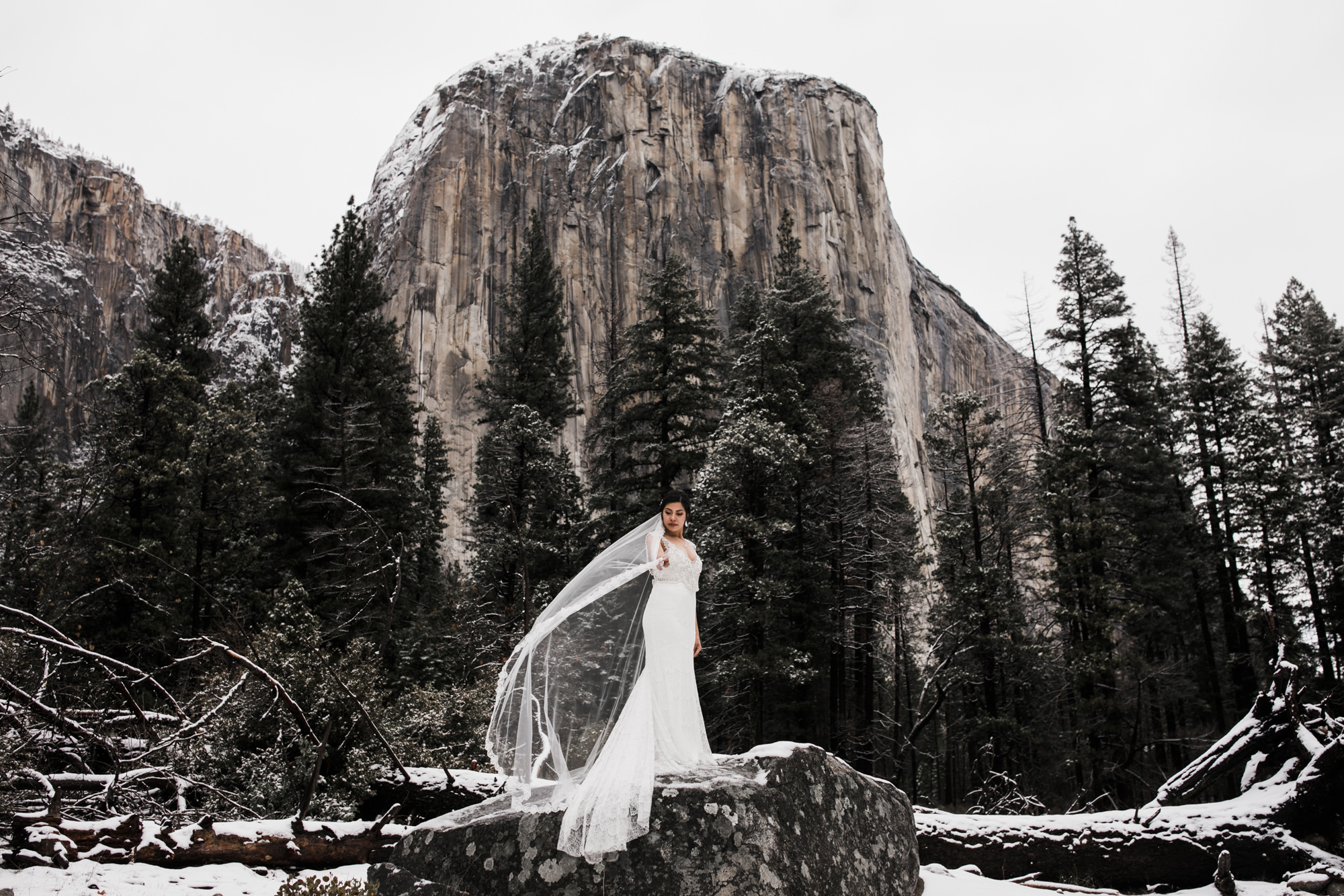 eloping in yosemite national park in the winter