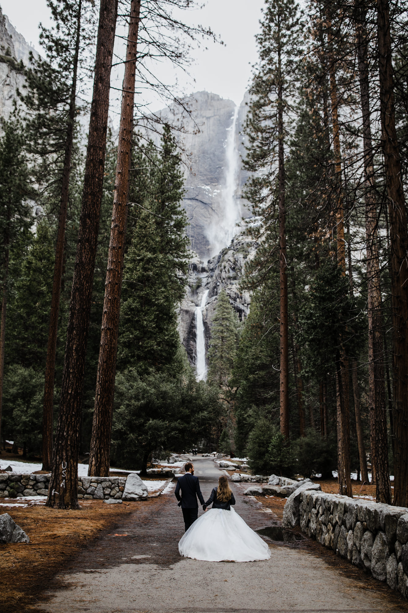snowy elopement wedding in yosemite national park | The Hearnes Adventure Photography