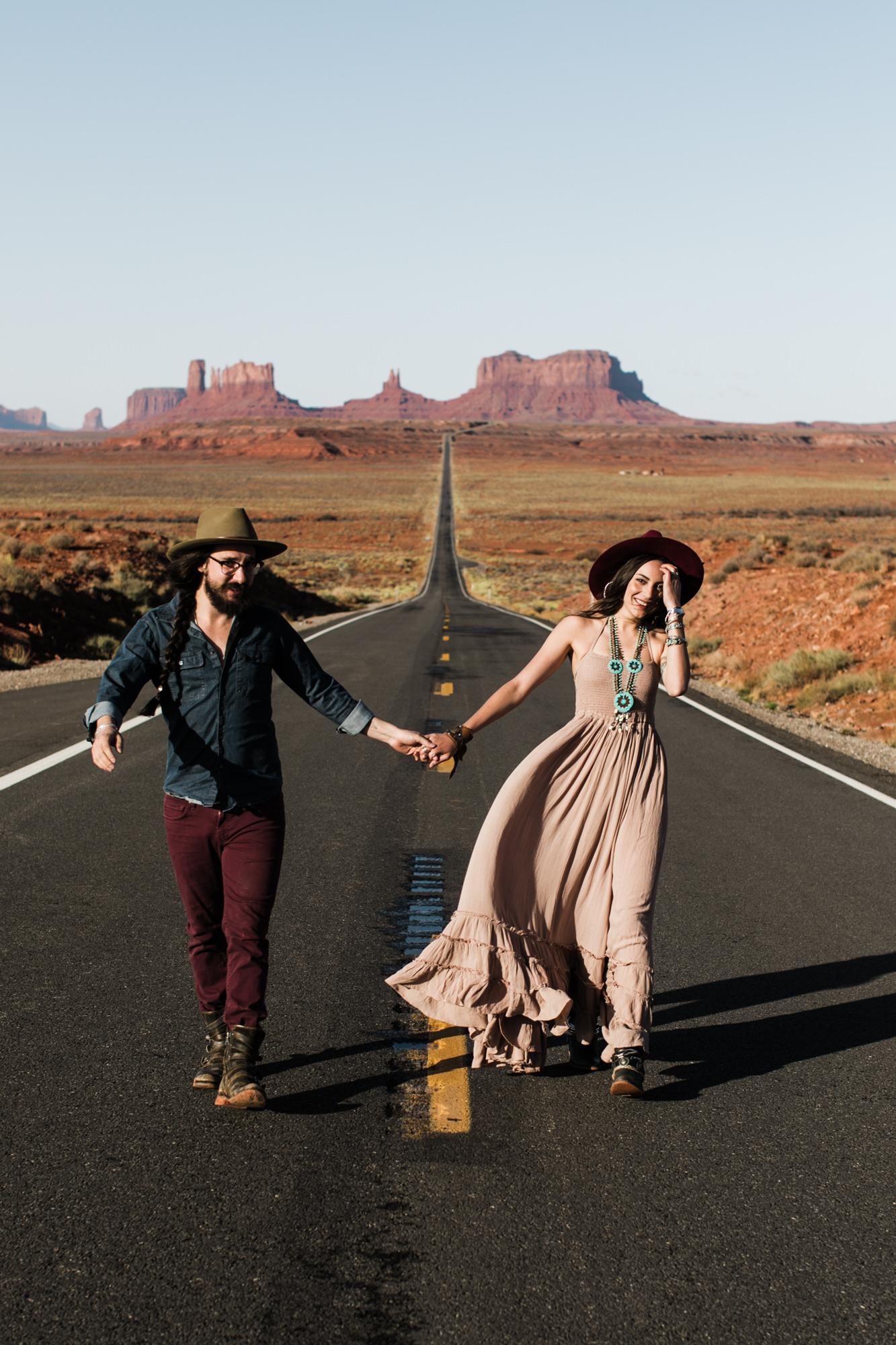 monument-valley-utah-desert-elopement-photographer-49.jpg