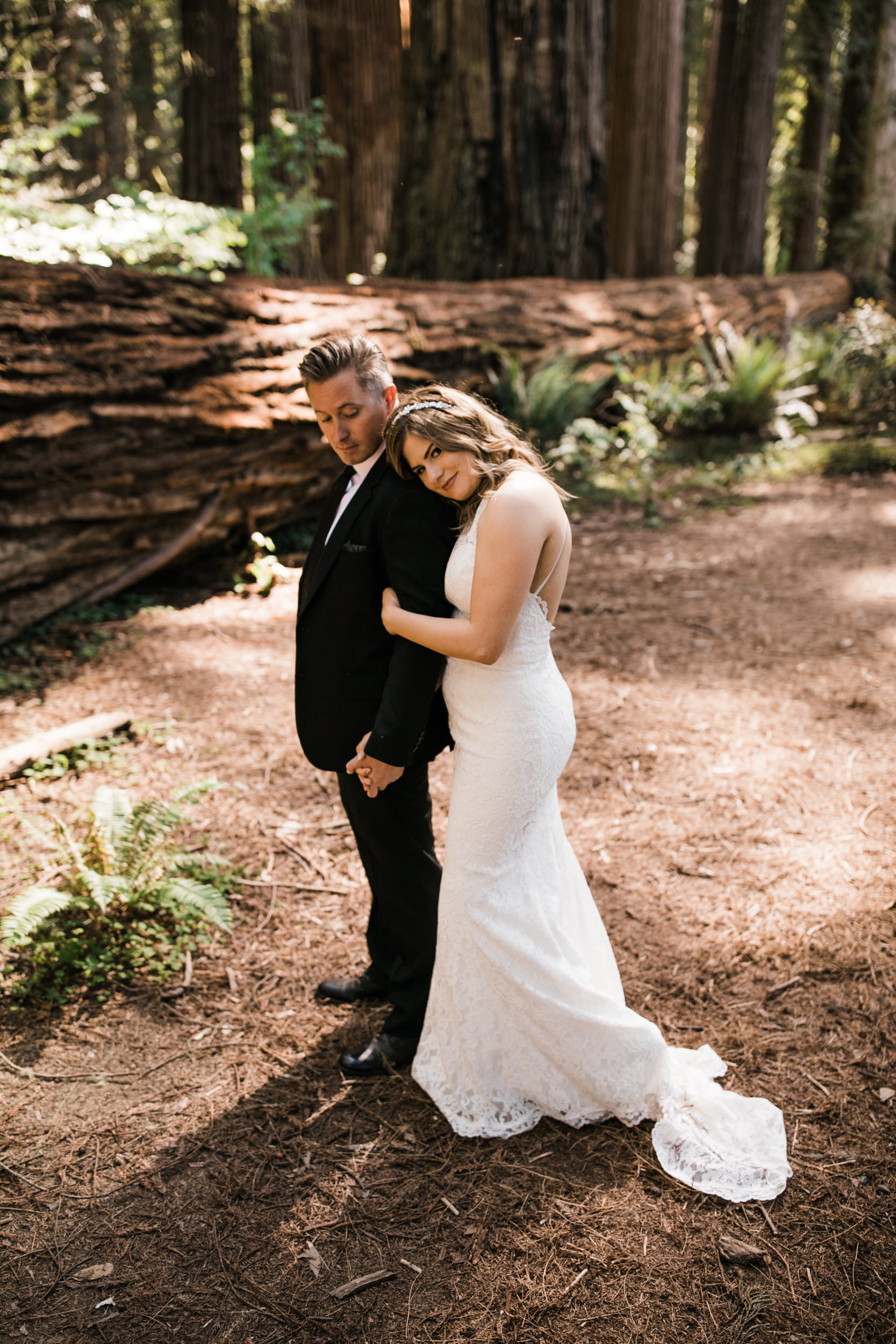 intimate wedding ceremony in the redwood forest | adventure wedding photographer | redwoods national park elopement | www.thehearnes.com