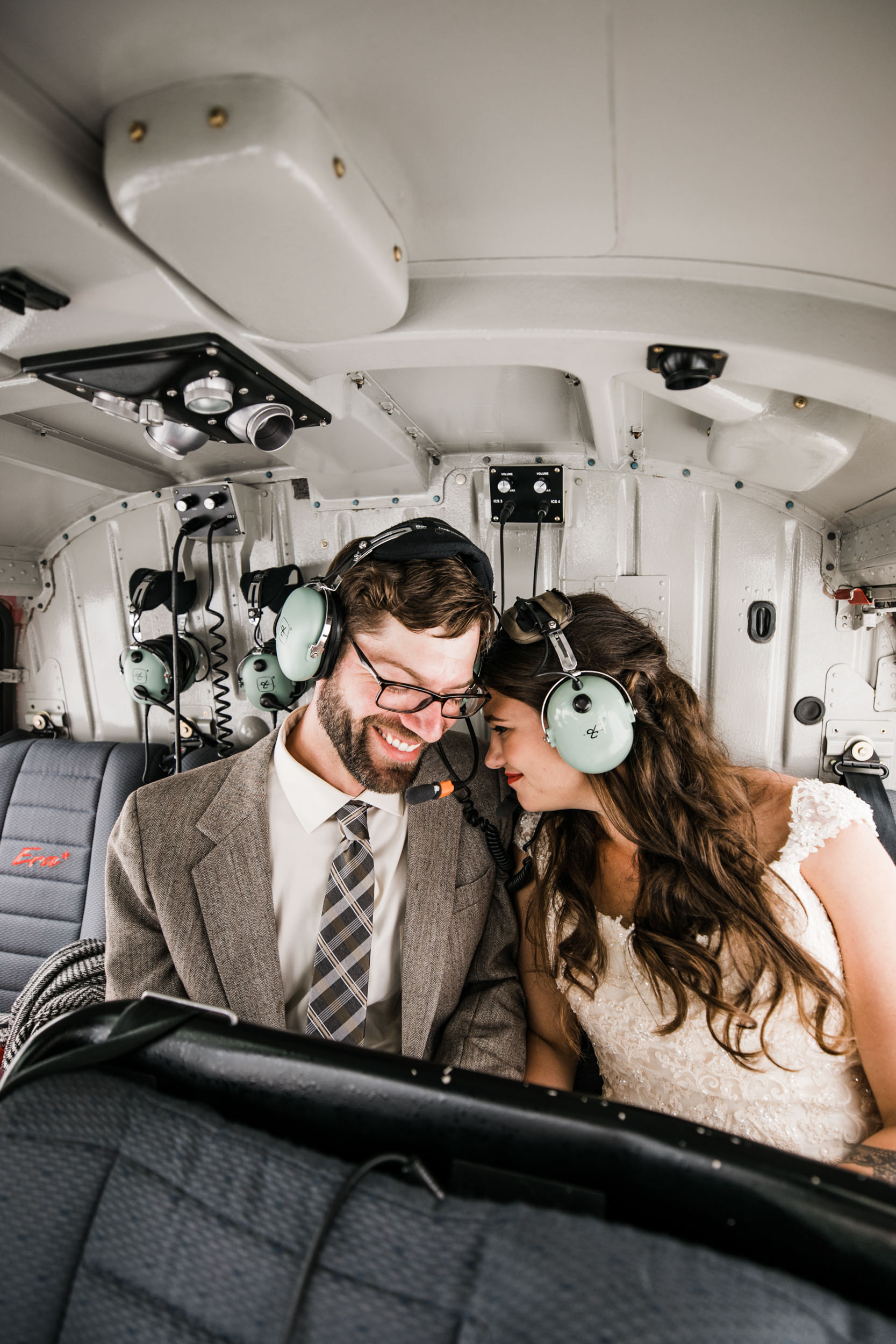 helicopter flightseeing tour in denali national park | alaska destination elopement inspiration | heli wedding in alaska | the hearnes adventure photography | www.thehearnes.com