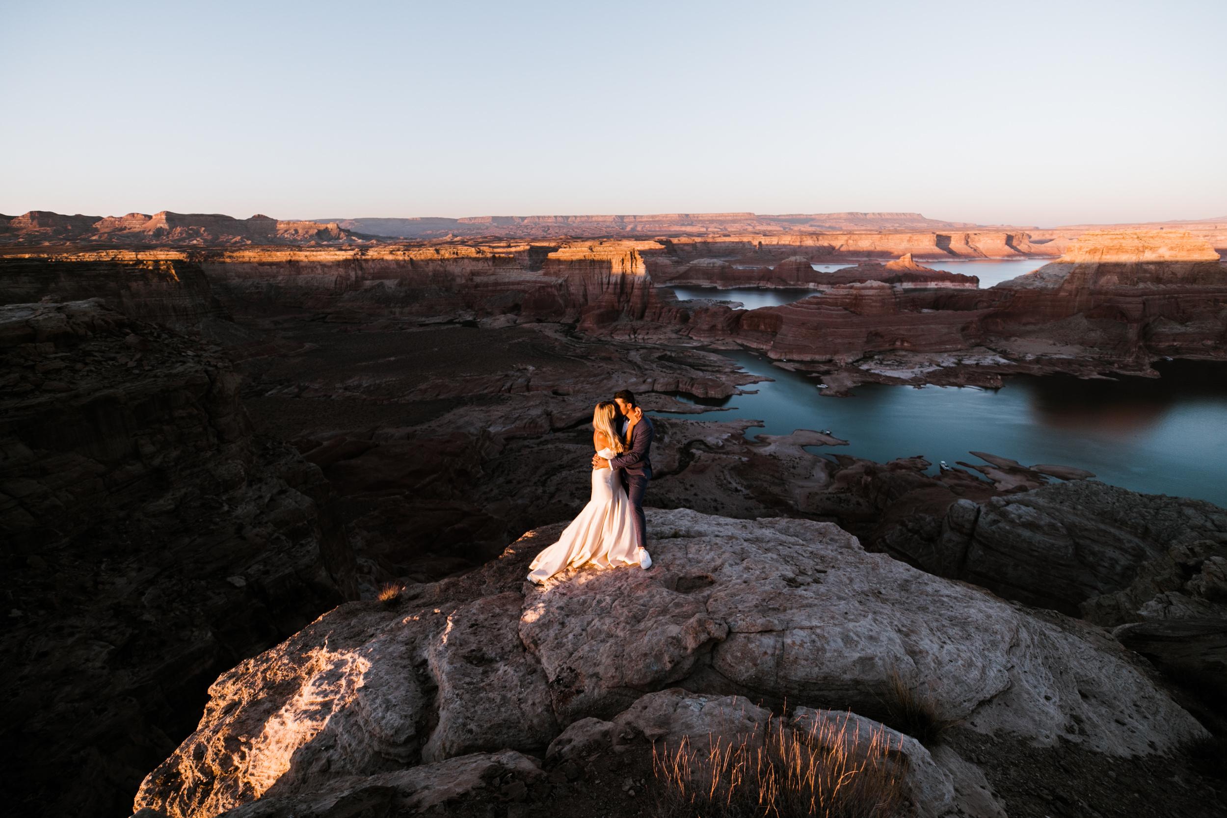 Page-Arizona-Jeep-Adventure-Wedding-Hearnes-Elopement-Photography-Lake-Powell-Horseshoe-Bend-36.jpg