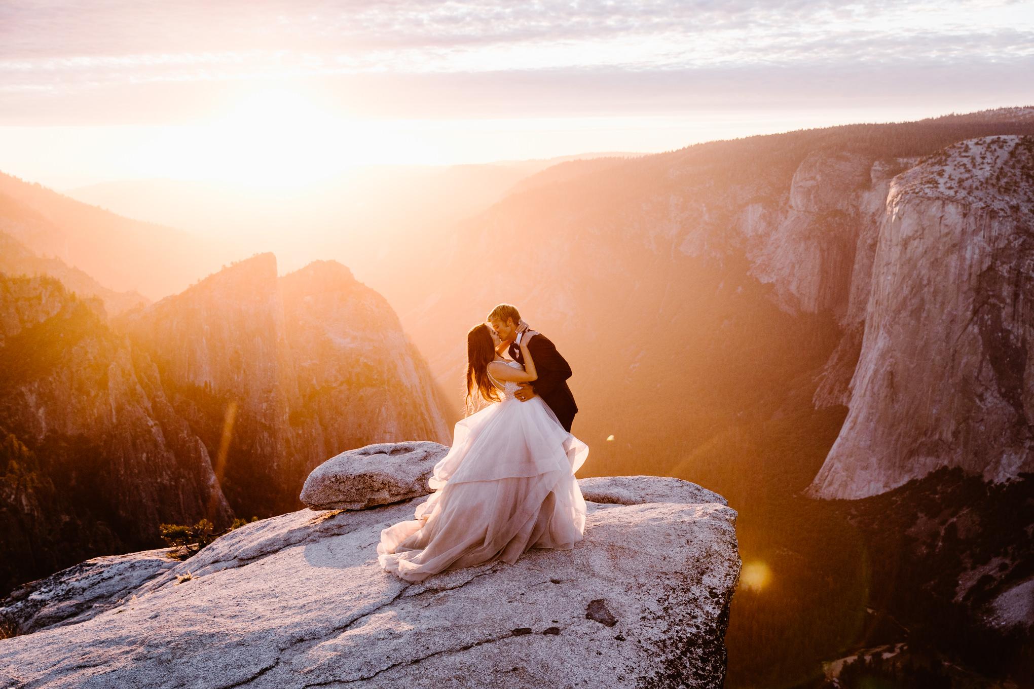 Taft-Point-Adventure-Elopement-Wedding-Photography-Yosemite-National-Park-13.jpg