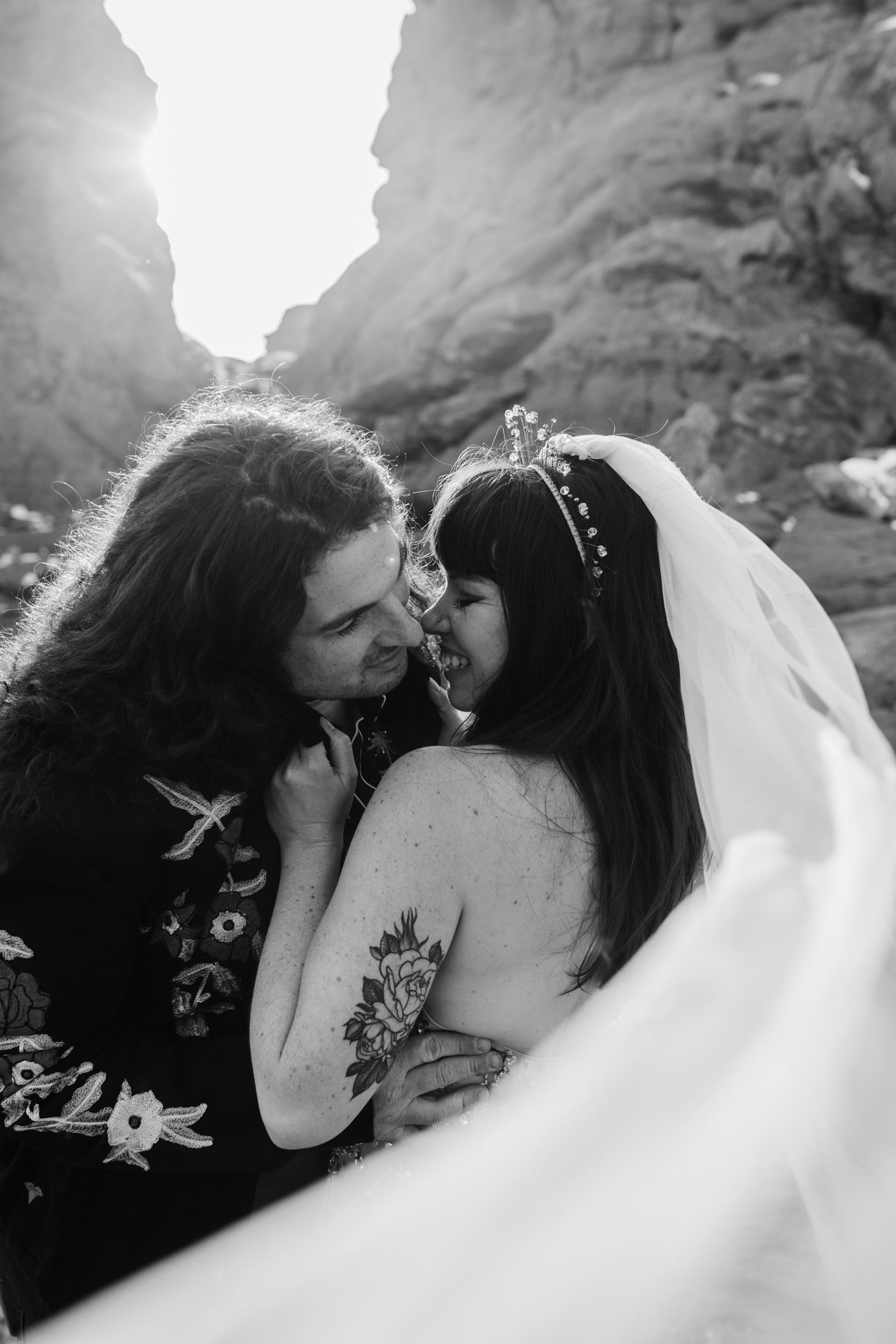 adventure wedding session in arches national park | moab elopement photographer | the hearnes adventure photography