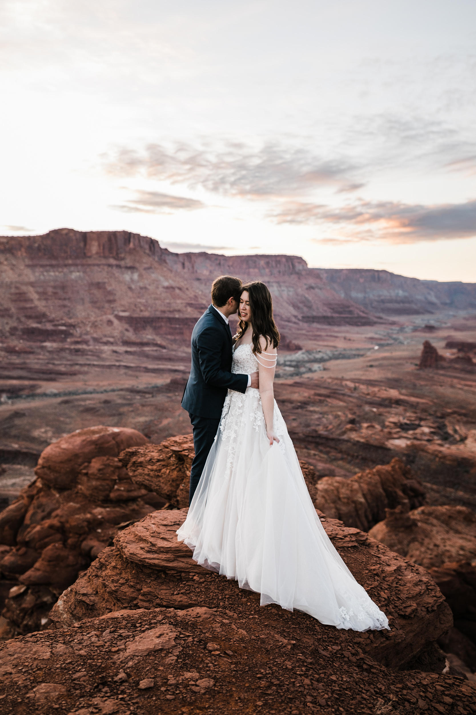 I love our adventurous couples coming to get married in Moab! One of the best places in the world for couples to elope, in my opinion.