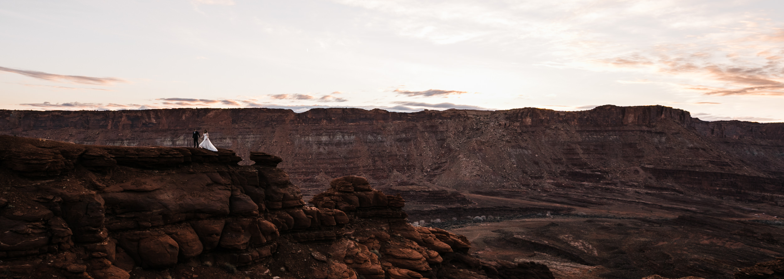 An amazing panoramic shot of Jeff and Claires sunrise session before their wedding!