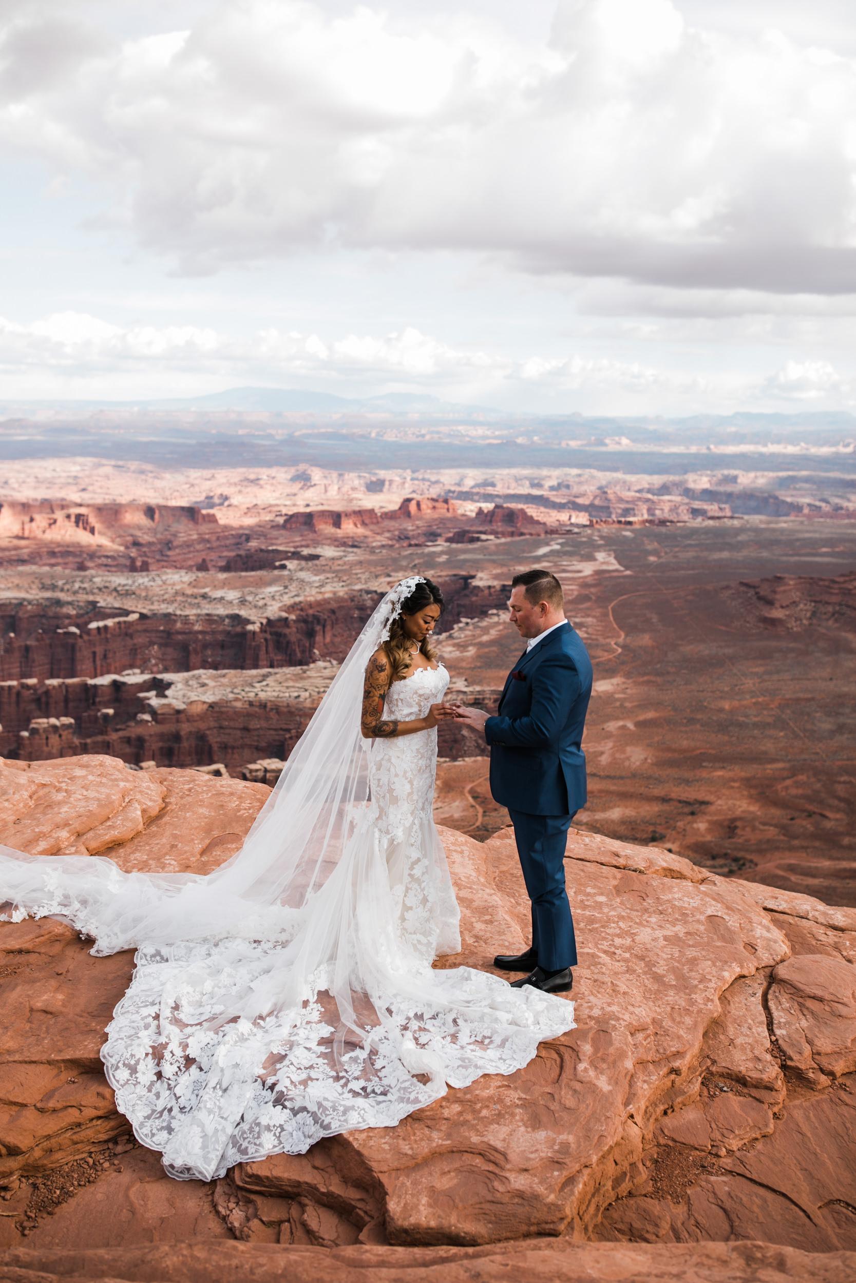Hearnes-Elopement-Photography-Canyonlands-National-Park-Wedding-Photographer-Moab-Utah-Weddings-17.JPG