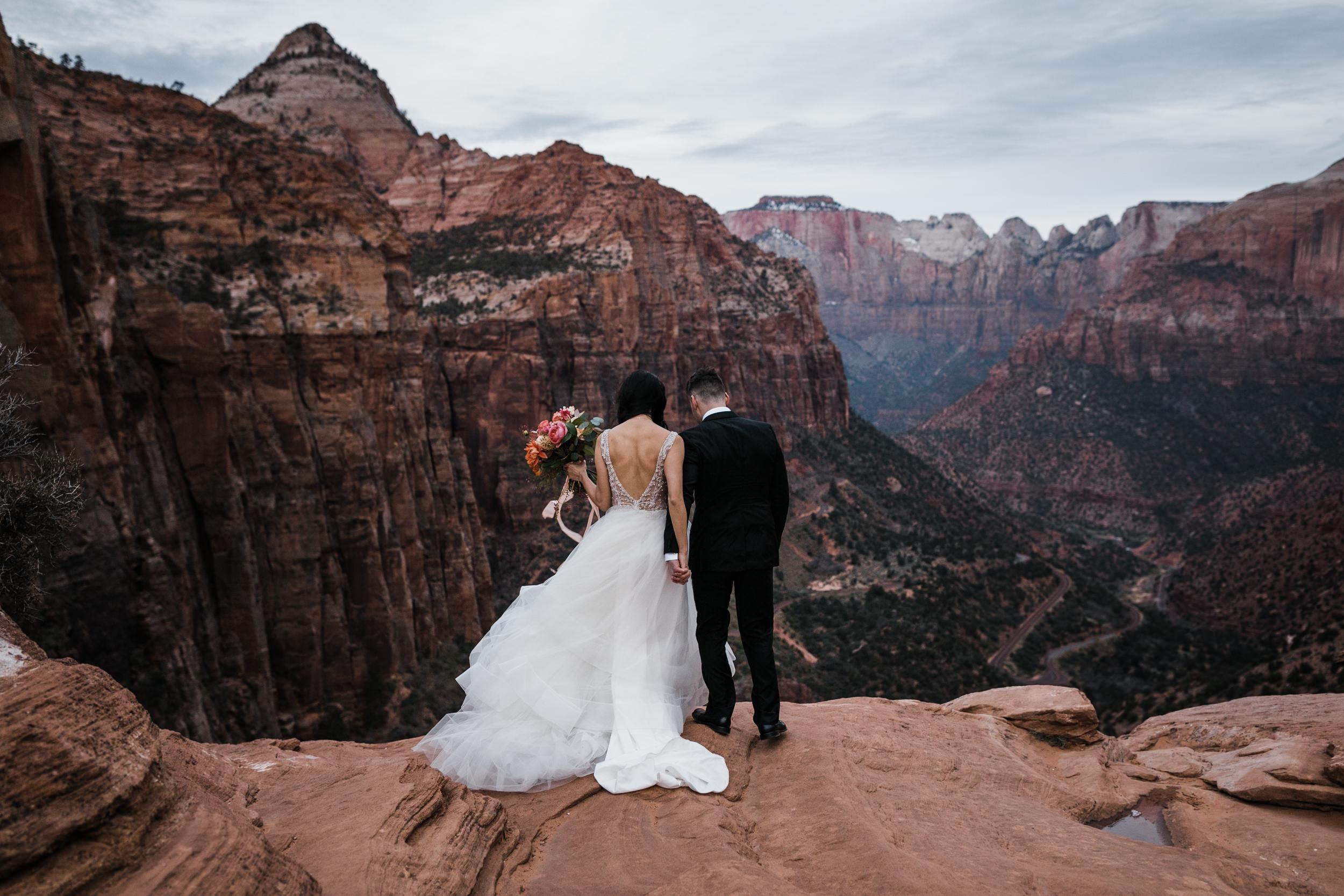 Zion-National-Park-Sunrise-Elopement-Hearnes-Wedding-Photography-13.jpg
