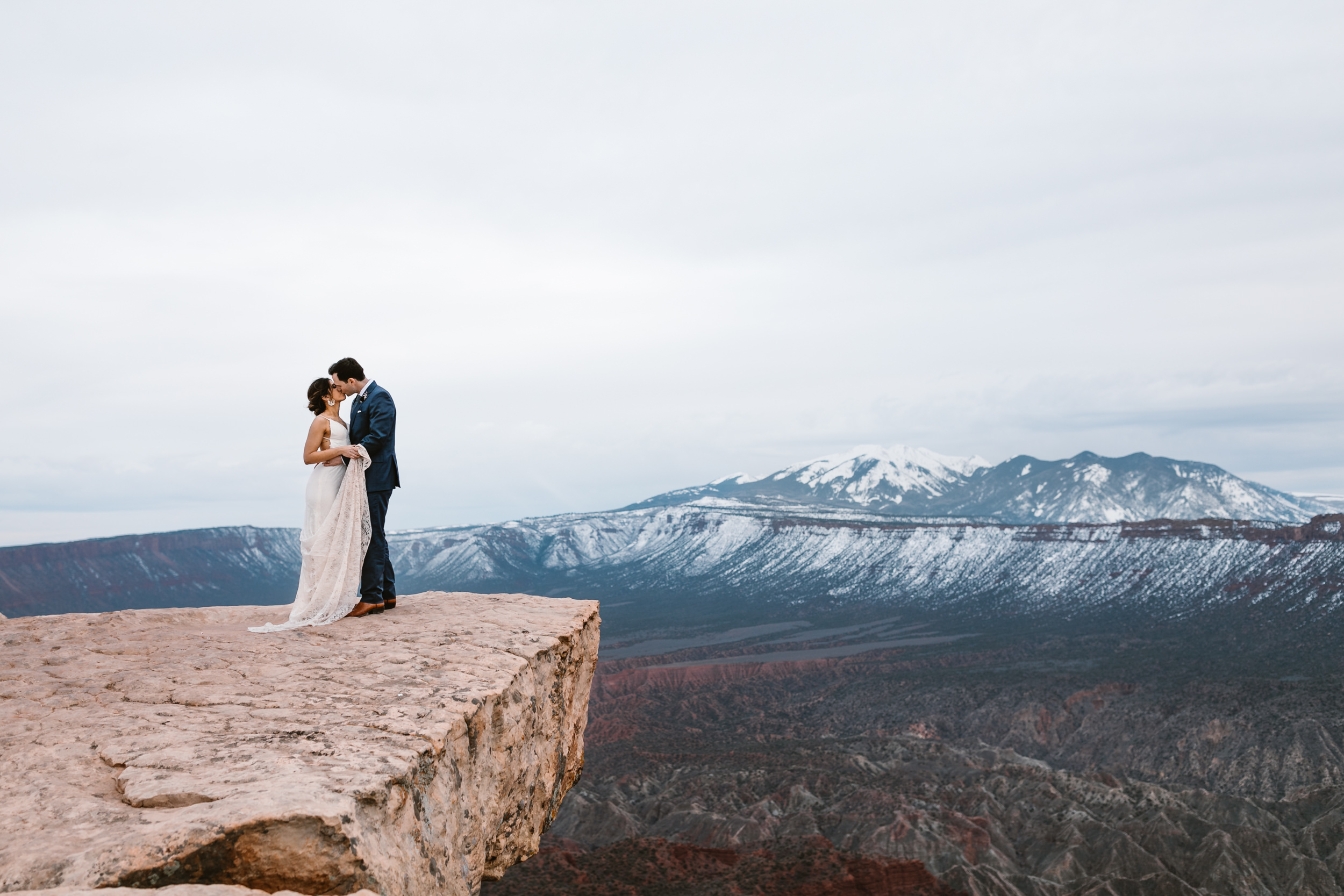 Hearnes-Elopement-Photography-Moab-Jeep-Wedding-40.jpg