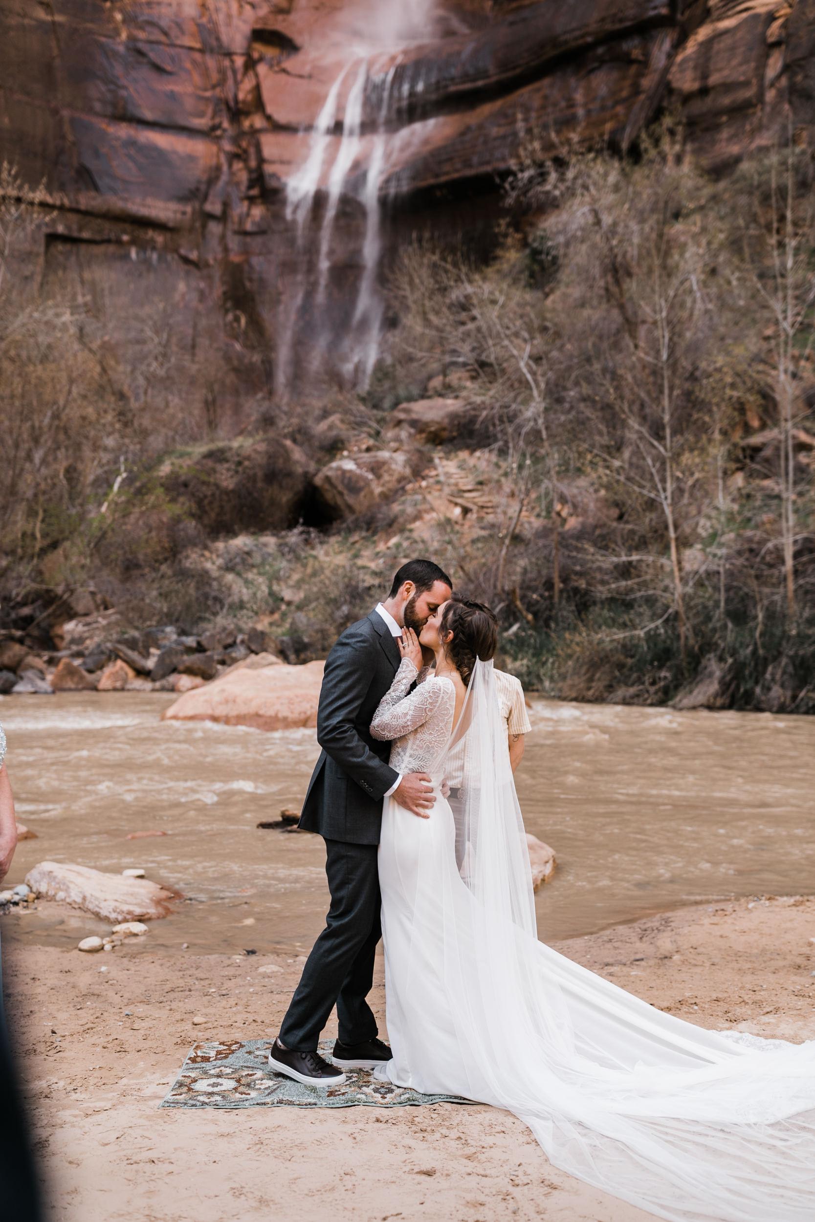 Zion-National-Park-Adventure-Wedding-Hearnes-Elopement-Photography-11.jpg