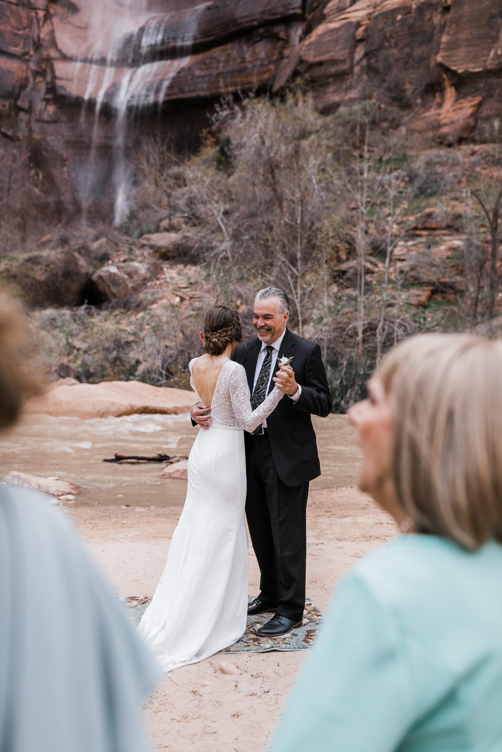 Zion-National-Park-Adventure-Wedding-Hearnes-Elopement-Photography-17.jpg