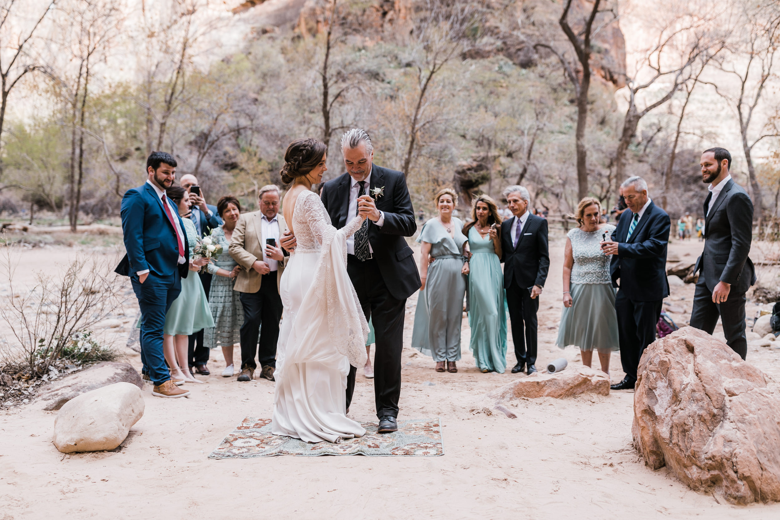 Zion-National-Park-Adventure-Wedding-Hearnes-Elopement-Photography-18.jpg