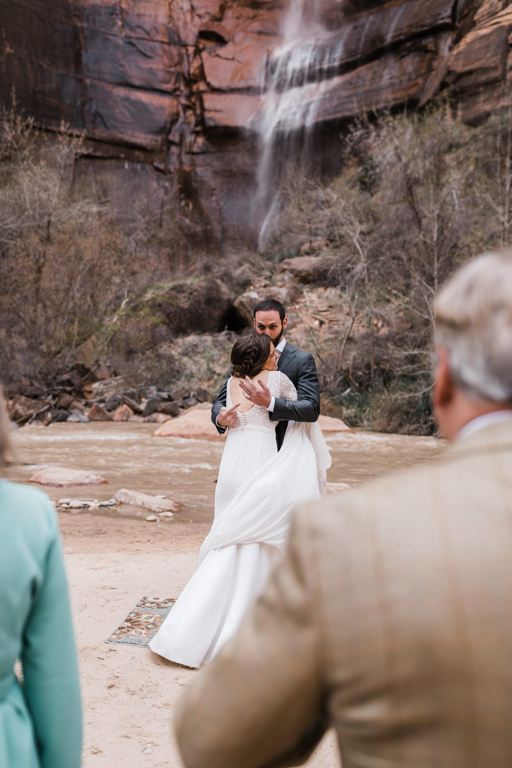 Zion-National-Park-Adventure-Wedding-Hearnes-Elopement-Photography-22.jpg