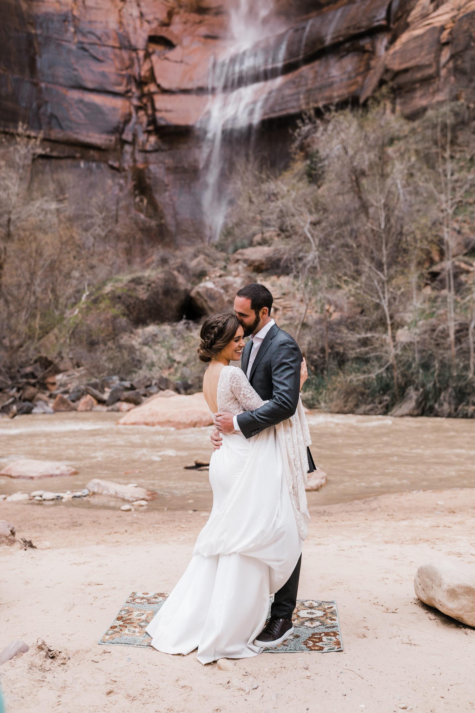 Zion-National-Park-Adventure-Wedding-Hearnes-Elopement-Photography-23.jpg
