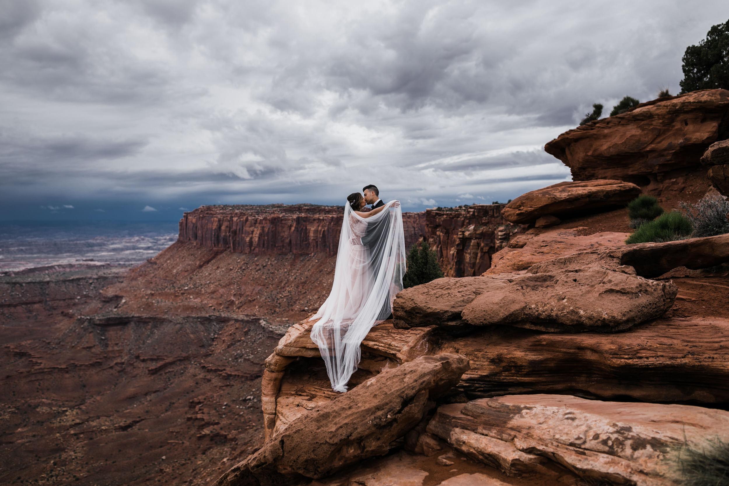 Hearnes-Elopement-Photography-Canyonlands-National-Park-Moab-Wedding-1.jpg