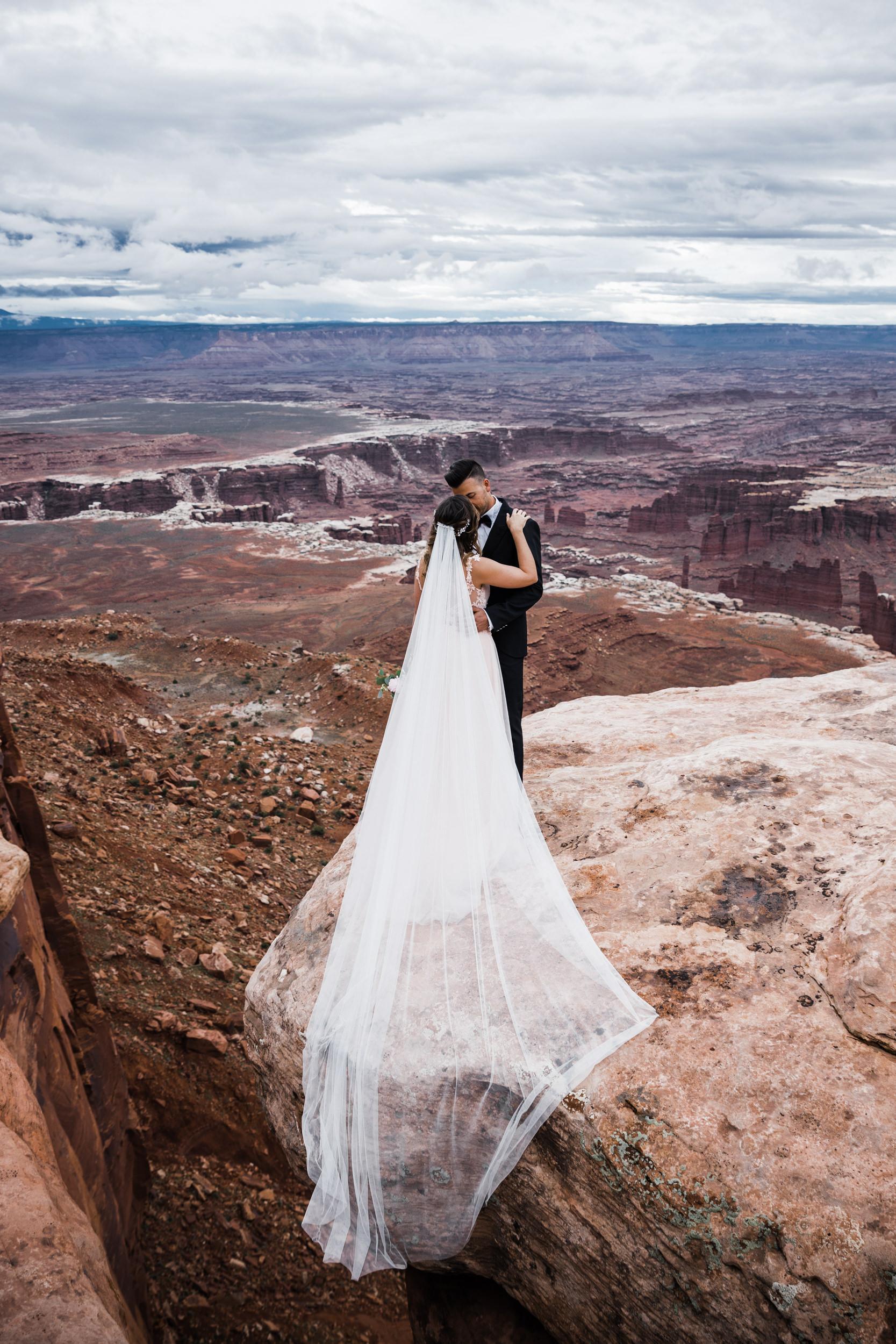Hearnes-Elopement-Photography-Canyonlands-National-Park-Moab-Wedding-7.jpg